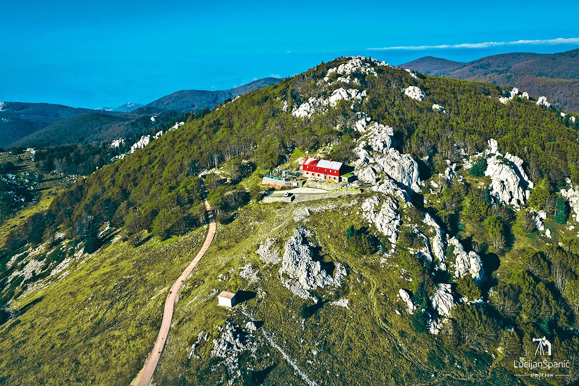 Planinarski dom na Zavižanu otvoren je cijele godine