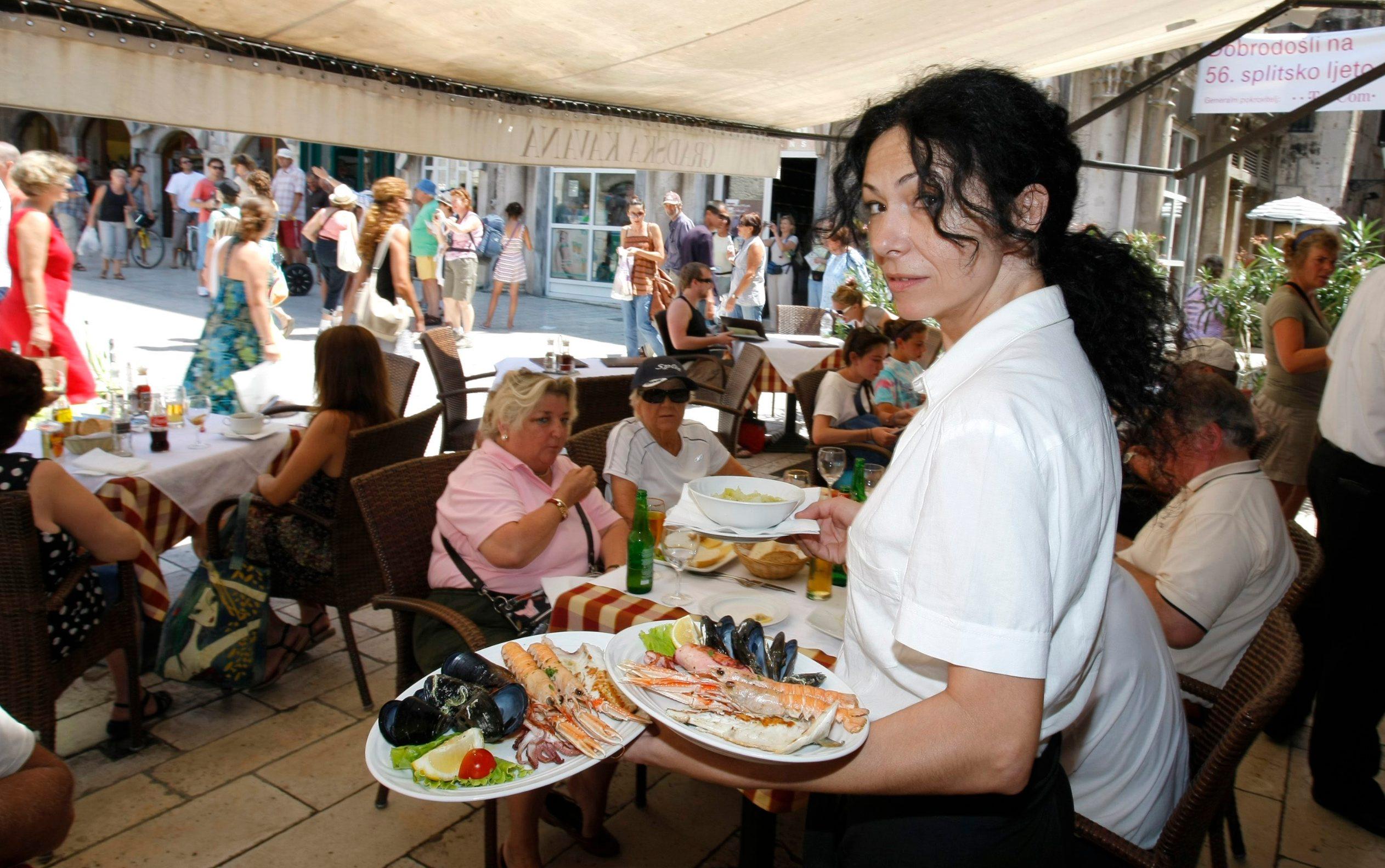 Konobarica u splitskom restoranu