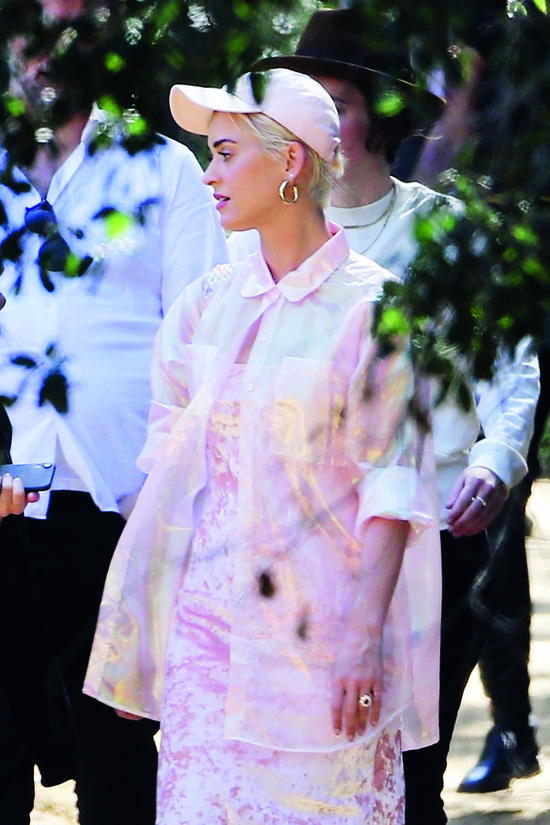 Los Angeles, CA  - Newly engaged couple Katy Perry and Orlando Bloom attend Sunday services at Kanye West's church. Katy looked pretty in pink, showing off her large engagement ring, while Orlando kept things low key in a navy blue jacket and jeans.  Pictured: Katy Perry  BACKGRID USA 24 MARCH 2019, Image: 421903244, License: Rights-managed, Restrictions: , Model Release: no, Credit line: Profimedia, Backgrid USA