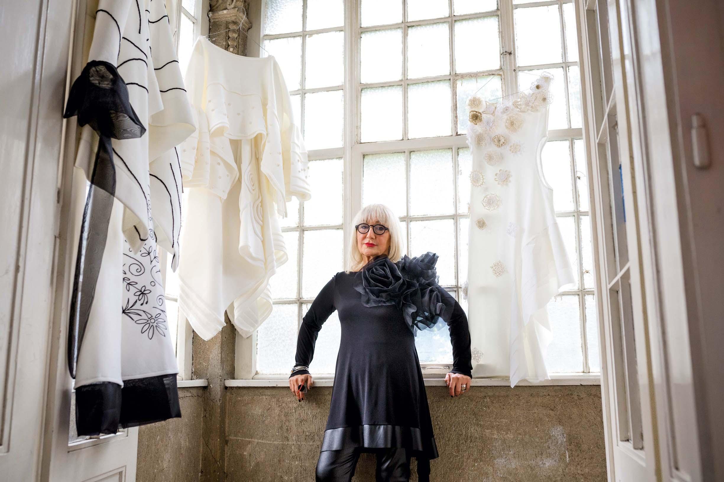 Dizajnerica Milena Rogulj oblikuje odjevne predmete od ručno dorađenih materijala
