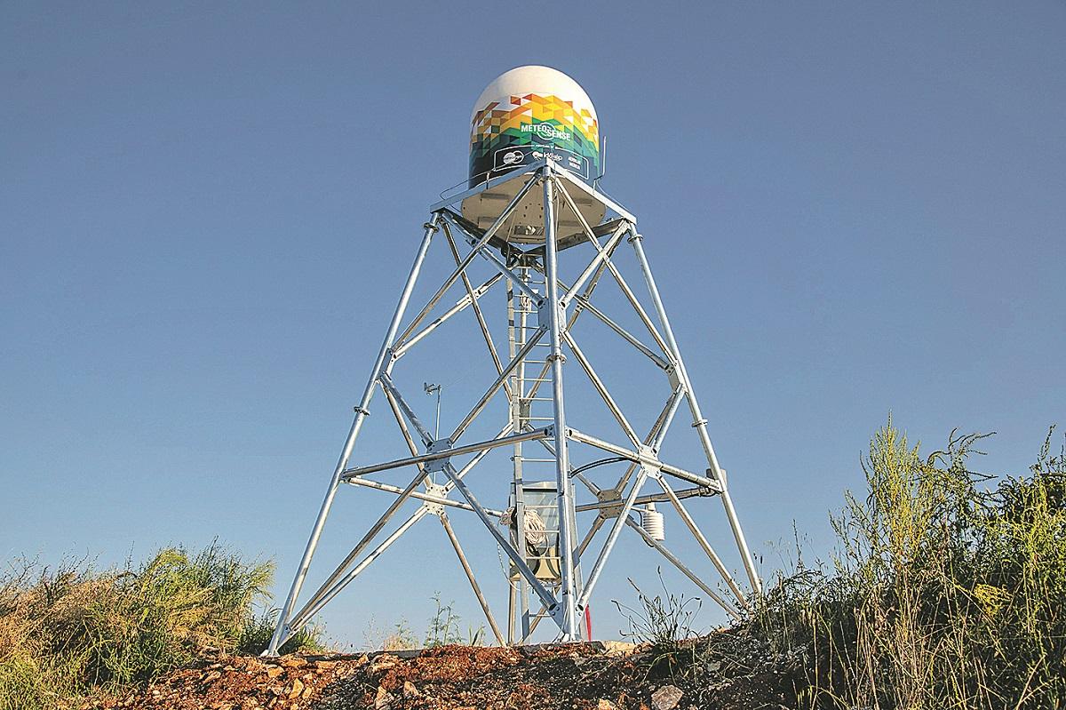 Medulin, 270619.  U Medulinu, na sportskom zracnoj luci, postavljen prvi privatni meteoroloski radar u Hrvatskoj koji pokriva siroko podrucje Jadrana. Foto: Marijana Banko / CROPIX