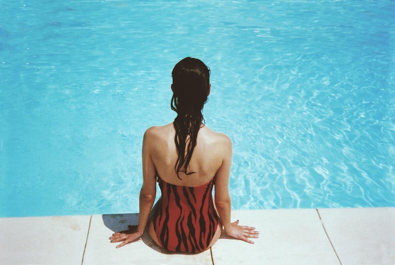 Suhi ili mokri, nikad ne sjedite na rubu bazena!