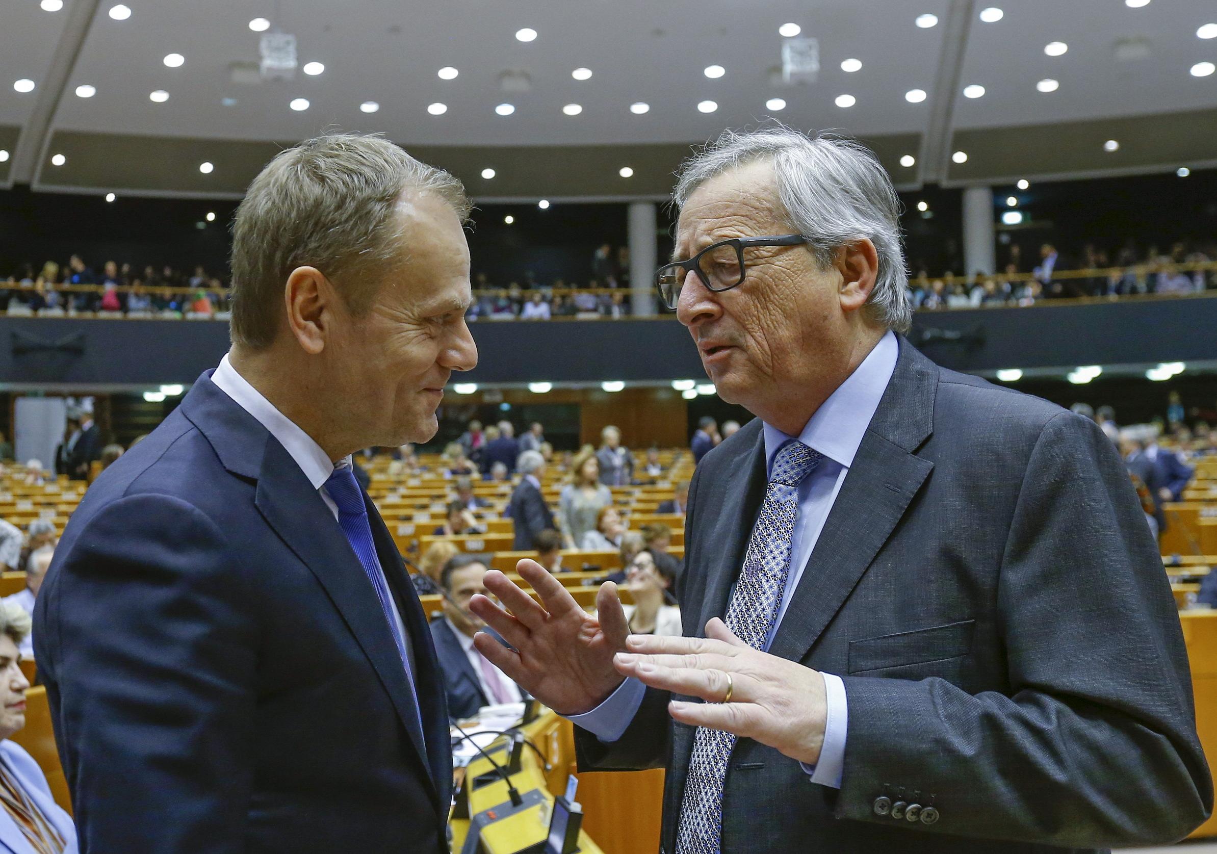 Predsjednik Europskog vijeća Donald Tusk (lijevo) i predsjednik Europske komisije Jean-Claude Juncker