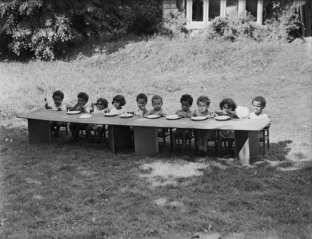 Djeca u domu Holnicote
