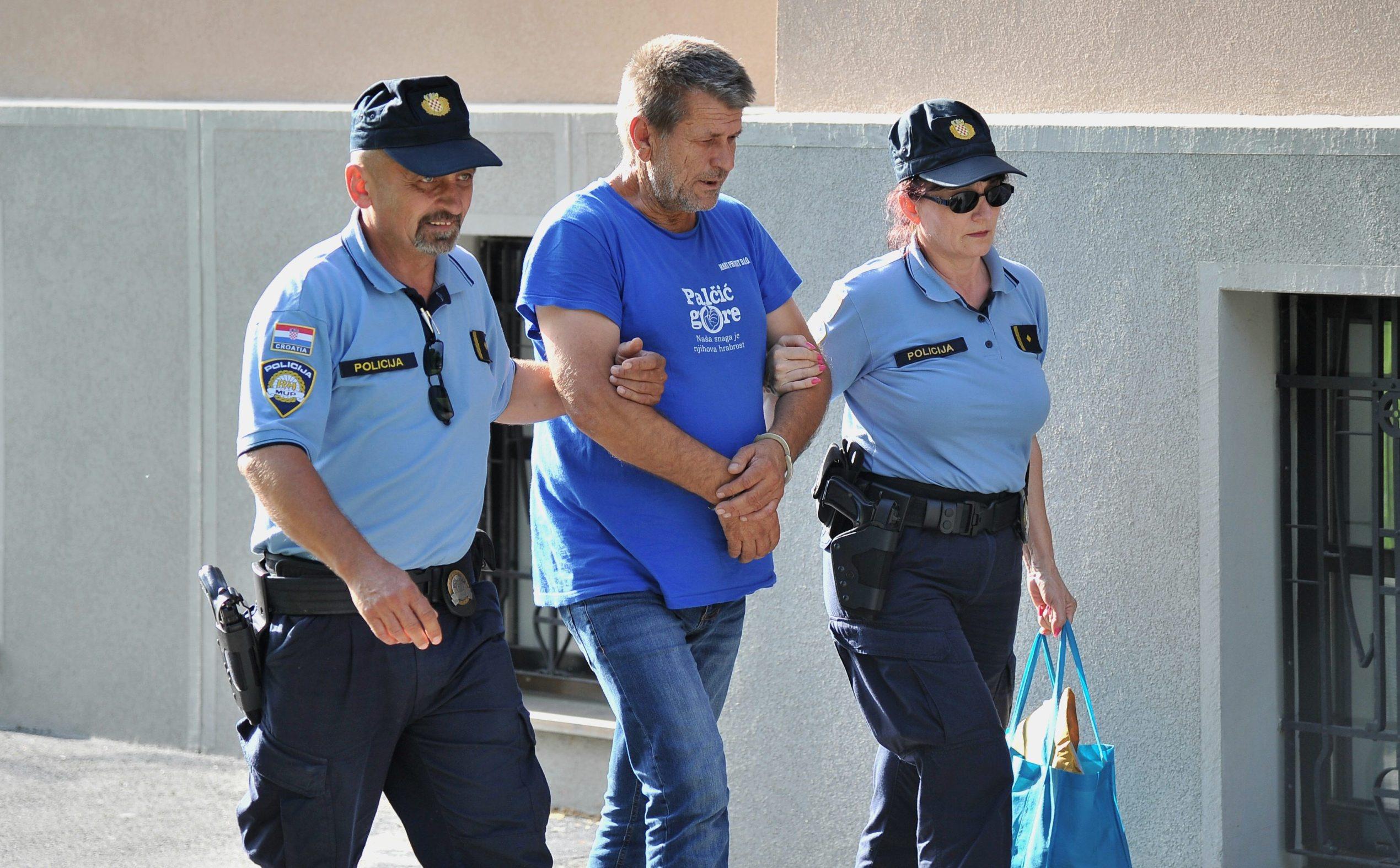 Odvođenje vozača, Ive Filipovića, koji je skrivio nesreću u Novskoj