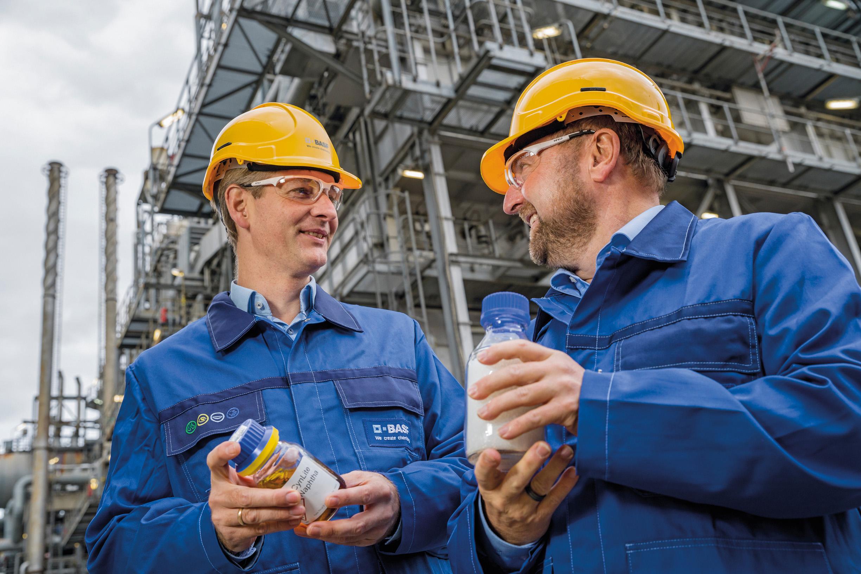 Tvrtka BASF i njegovi partneri Jaguar Land Rover, Storopack, Südpack i Schneider Electric predstavili su javnosti prve prototipove proizvoda napravljene od plastičnog otpada u okviru projekta ChemCycling
