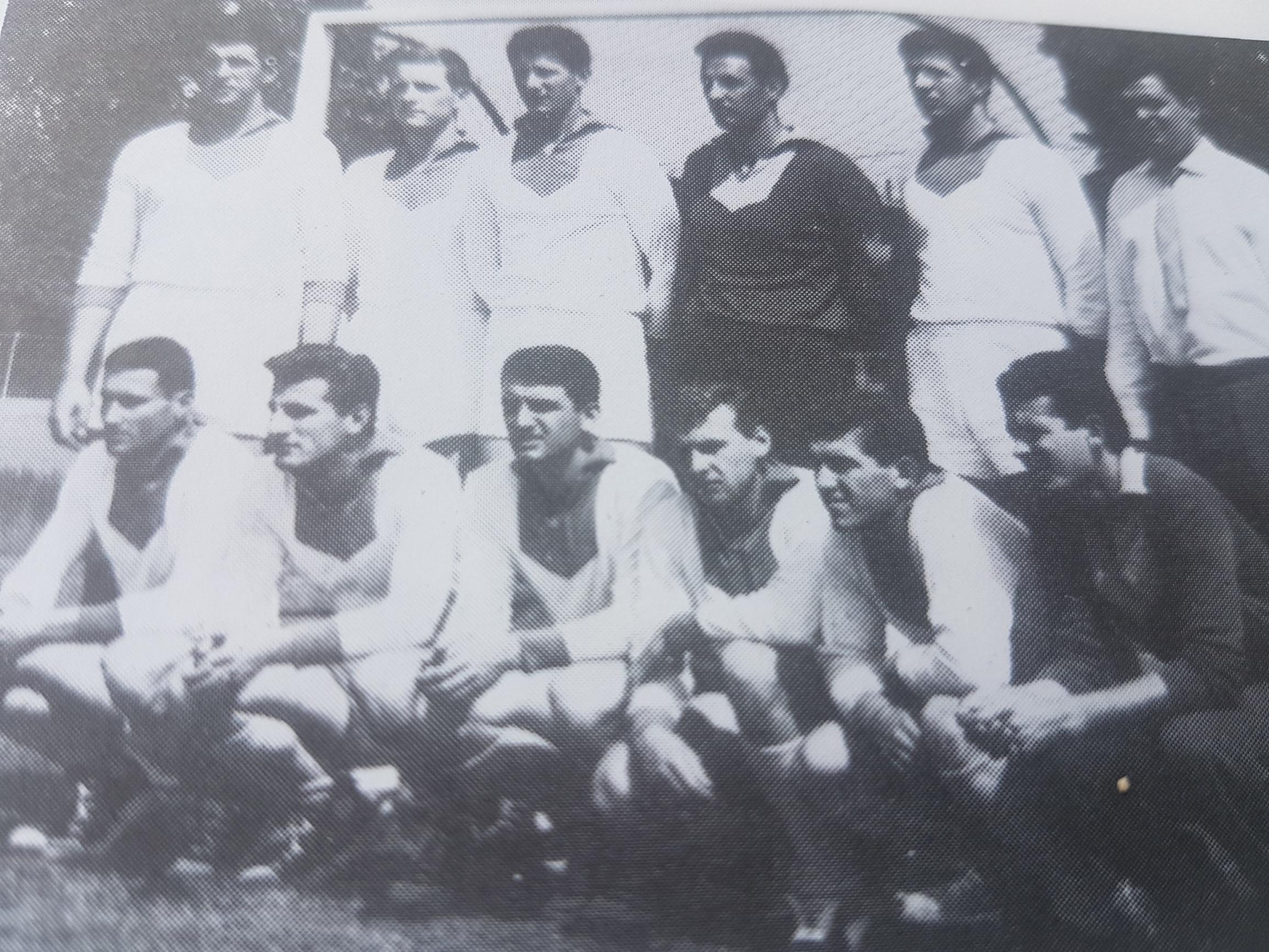 Rukometni klub Zagreb '62, Zrik Pavičić je u donjem redu, treći s desna