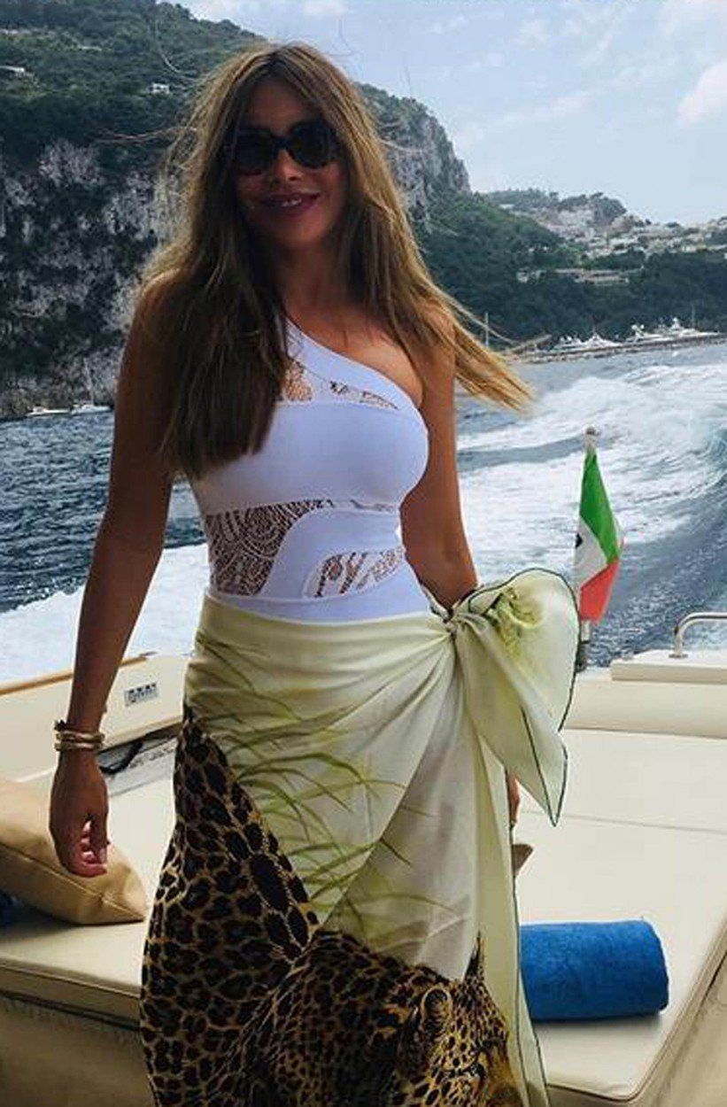 11-7-2019  Celebrity Selfies   Pictured: Sofia Vergara, Image: 457178919, License: Rights-managed, Restrictions: , Model Release: no, Credit line: Profimedia, Planet