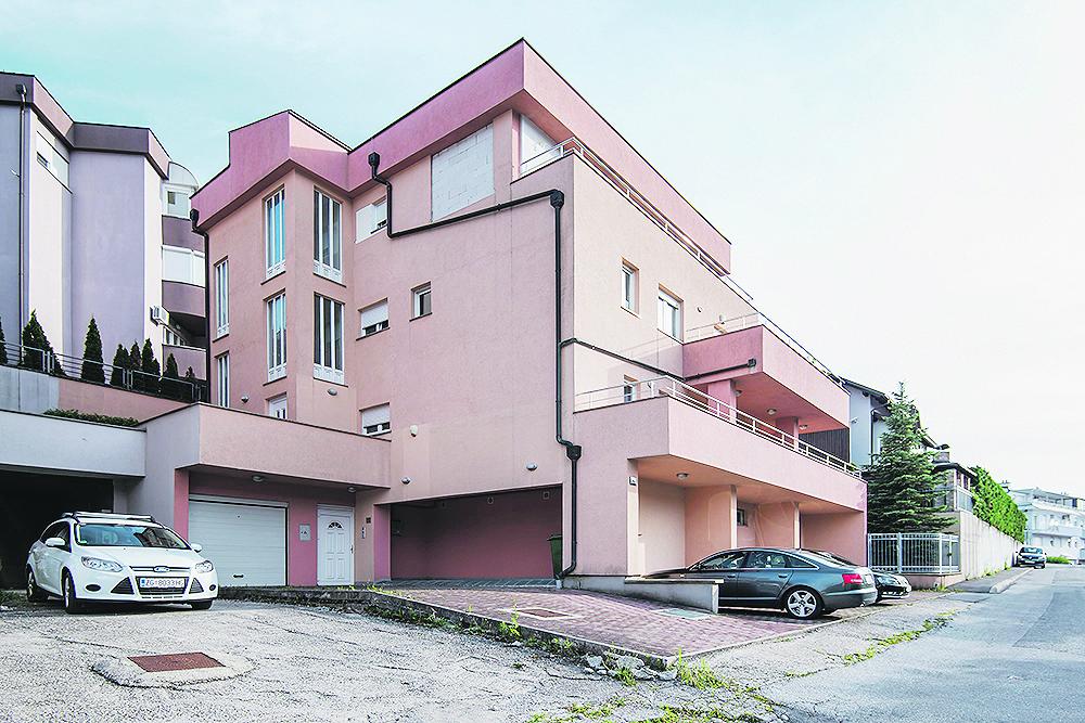 Zagreb, 110719. Predsjednicki kandidat Miroslav Skoro u svom domu u Gracanima. Foto: Neja Markicevic / CROPIX