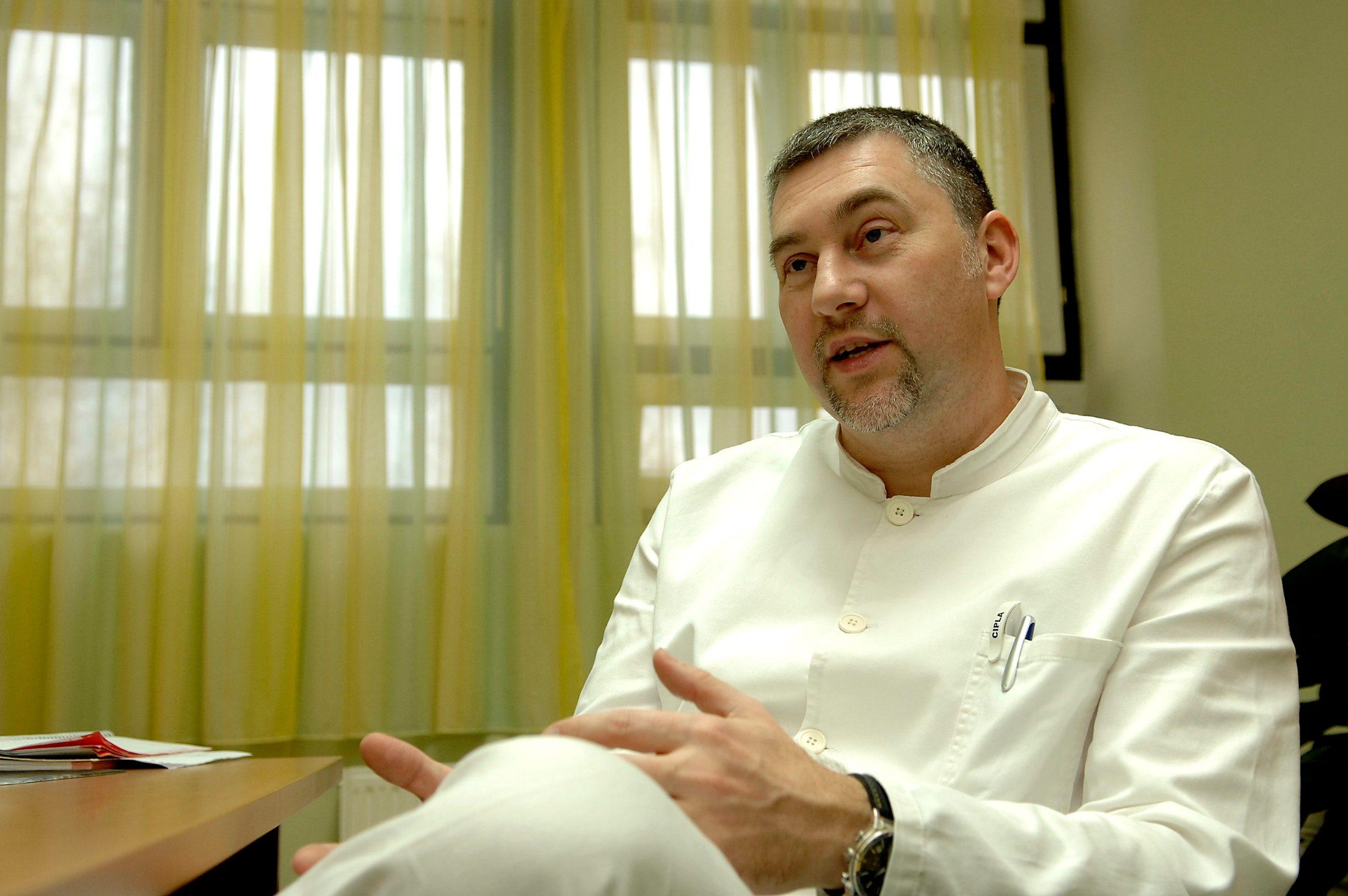 Karlovac, 151211. Goran Arbanas, doktor psihijatrije u Opcoj bolnici Karlovac koji je specijalizirani seksualni terapeut. Foto: Robert Fajt / Cropix