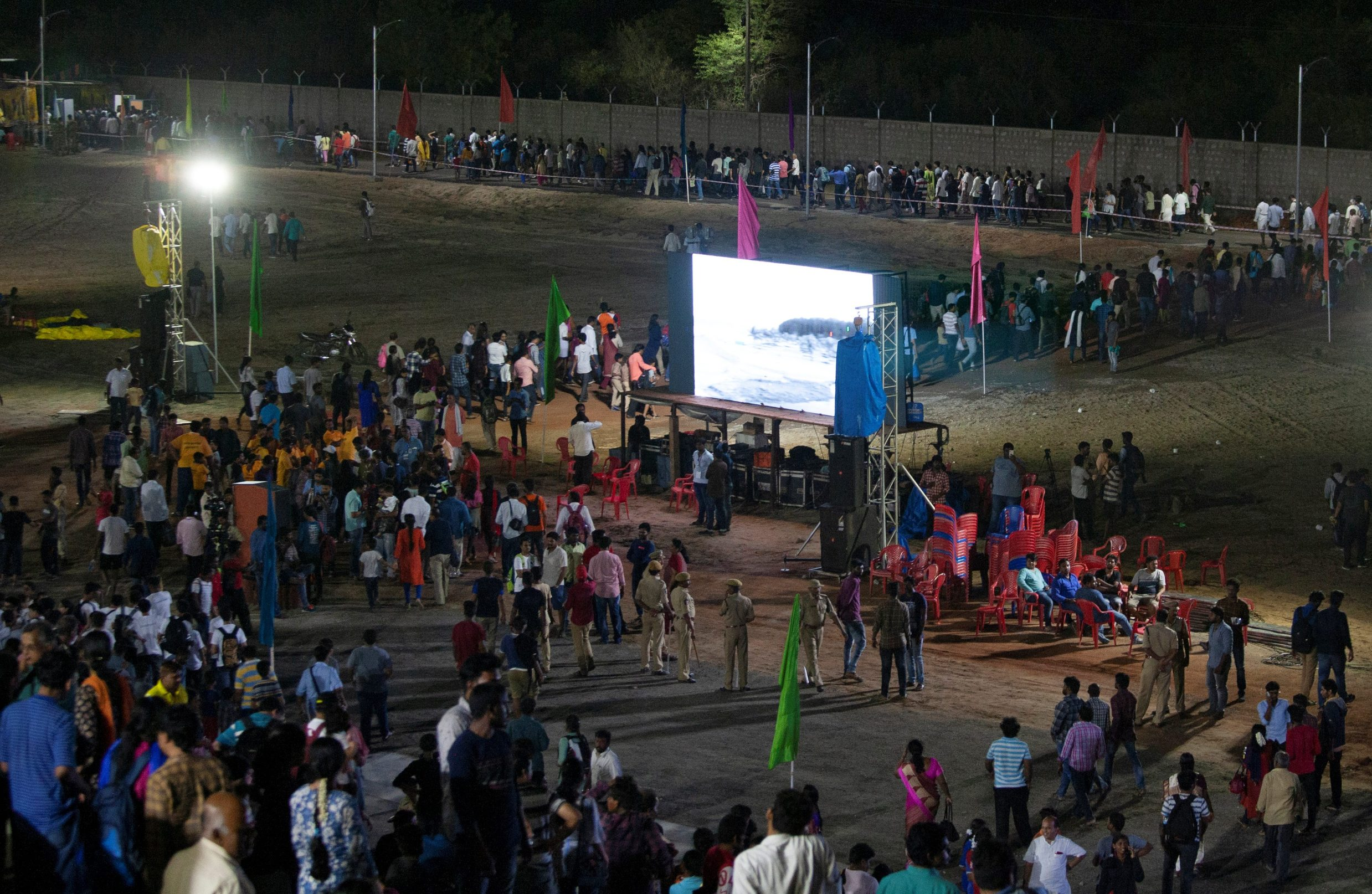 Nezadovoljni gledatelji u Sriharikoti nisu dočekali lansiranje Chandrayaan-2
