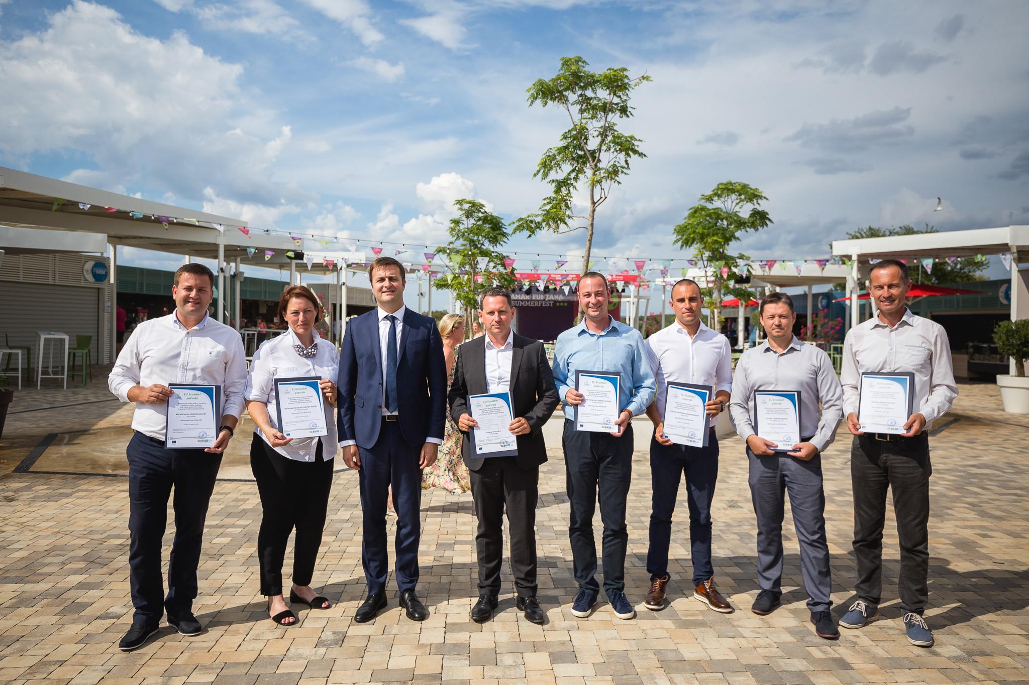 Dobitnici EU Ecolabel oznaka s ministrom Tomislavom Ćorićem