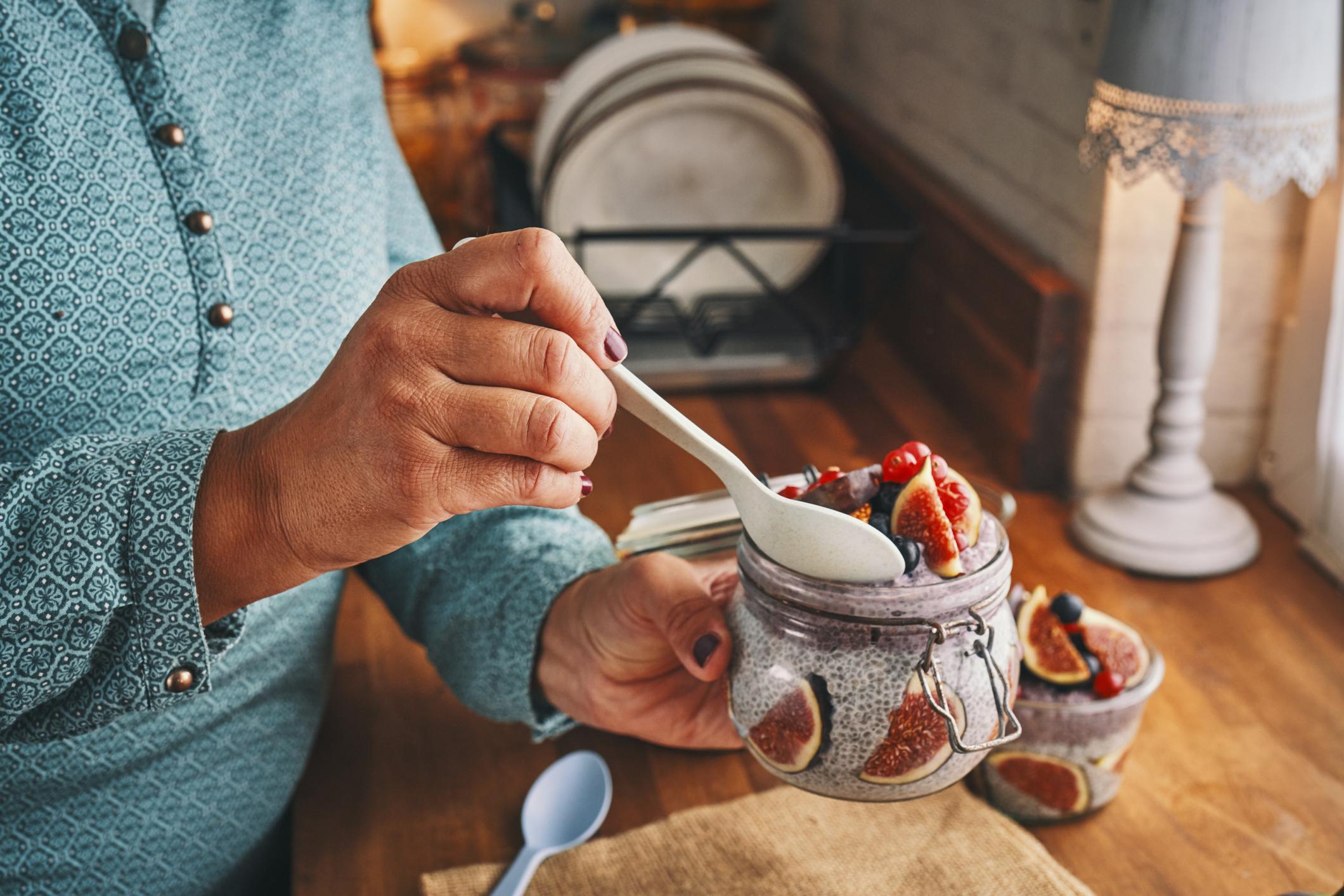 Ako ne znate što biste s njima, žličica chije u jogurt za doručak bit će dovoljno dobra ideja.