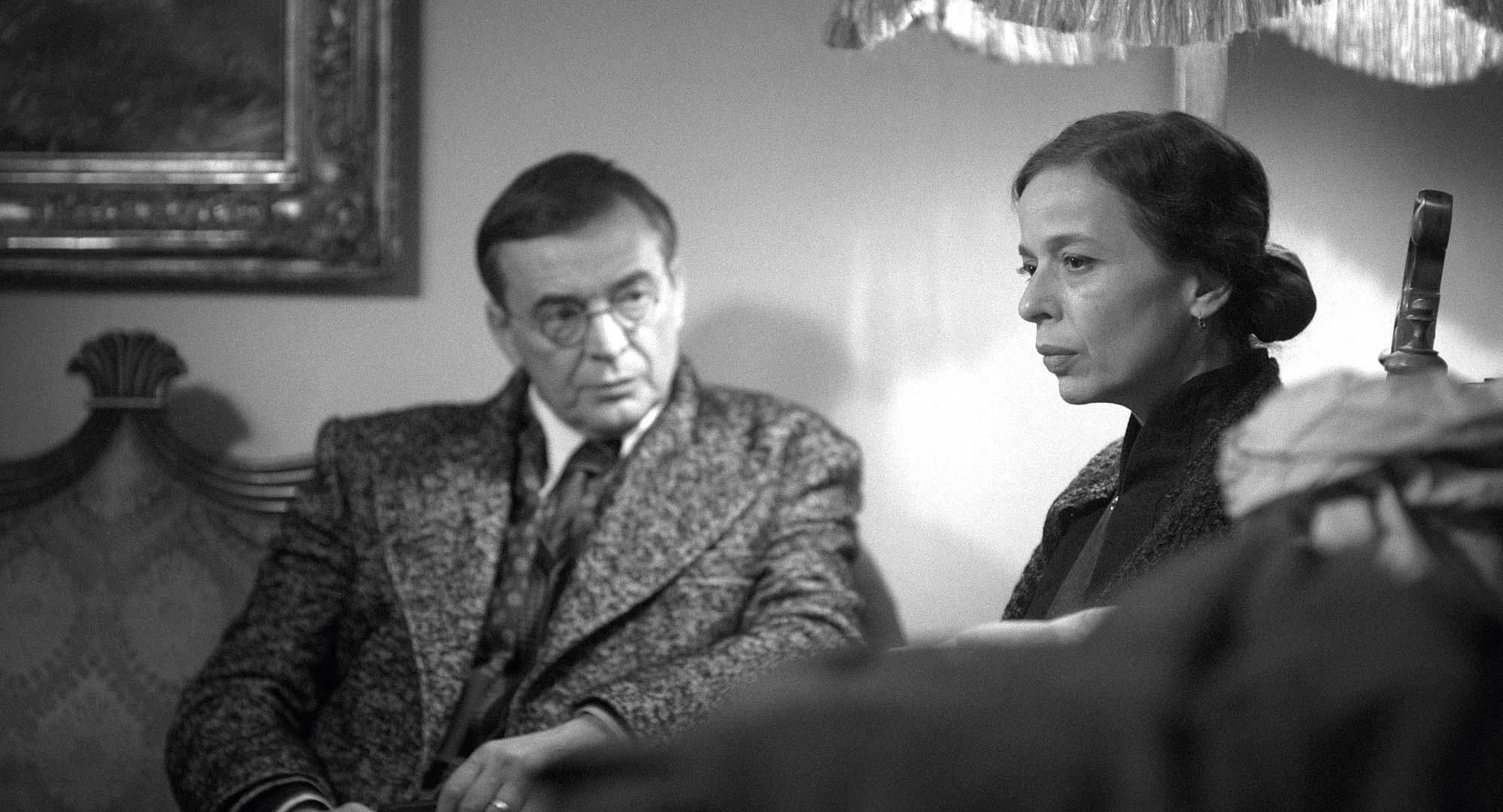 Alma Prica u filmu glumi Dianu Budisavljević, a slovenski glumac Igor Samobor njezina supruga Julija