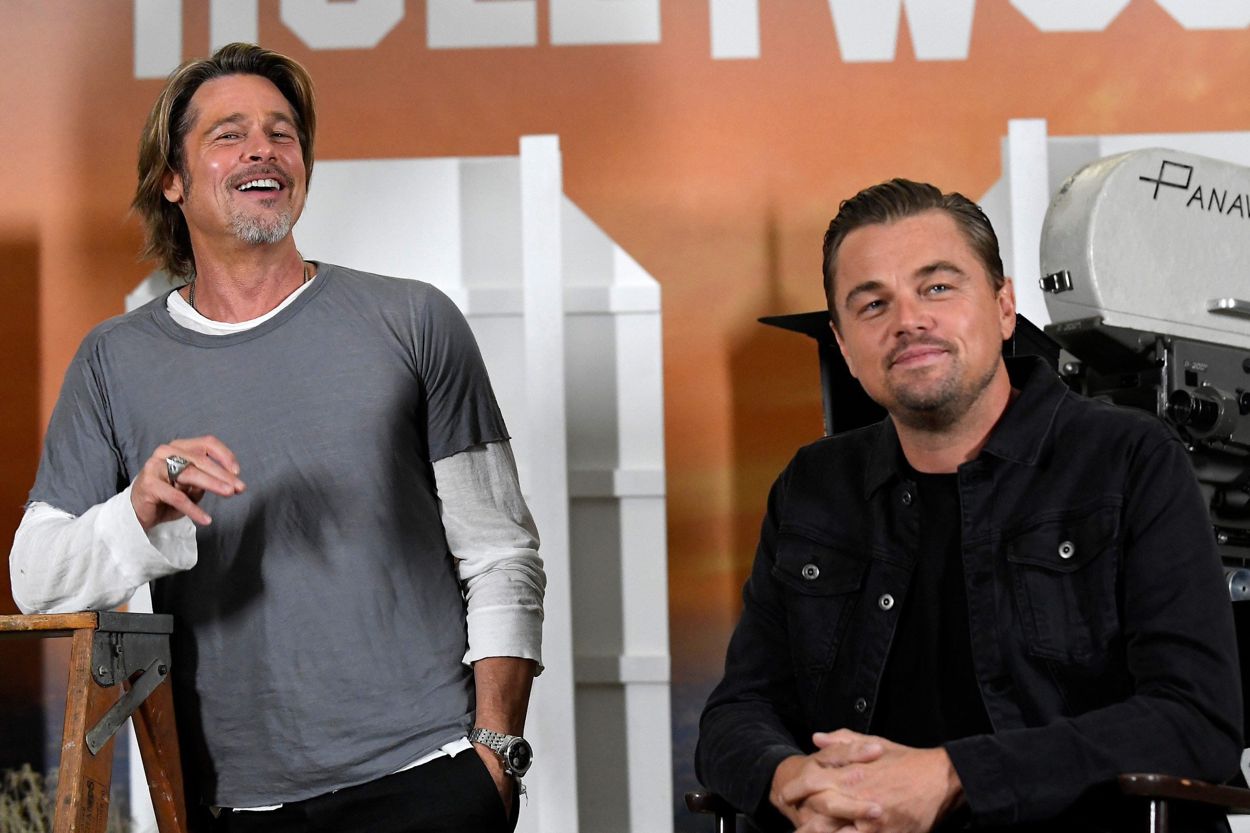 LOS ANGELES, CALIFORNIA - JULY 11:  Brad Pitt (L) and Leonardo DiCaprio attend the photo call for Columbia Pictures'