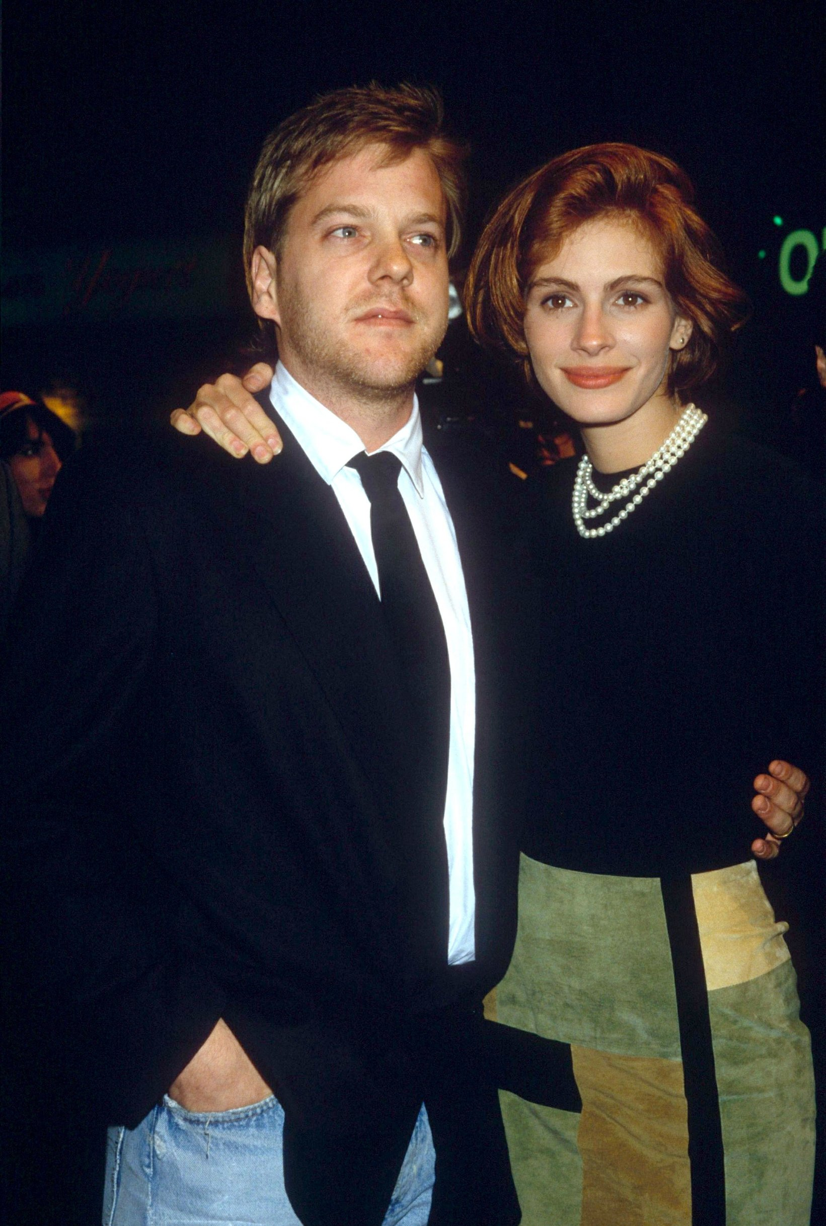 KIEFER SUTHERLAND AND JULIA ROBERTS PREMIERE OF FILM 'SLEEPING WITH THE ENEMY' IN CALIFORNIA,  AMERICA - 1991, Image: 221284300, License: Rights-managed, Restrictions: , Model Release: no, Credit line: Profimedia, Shutterstock Editorial