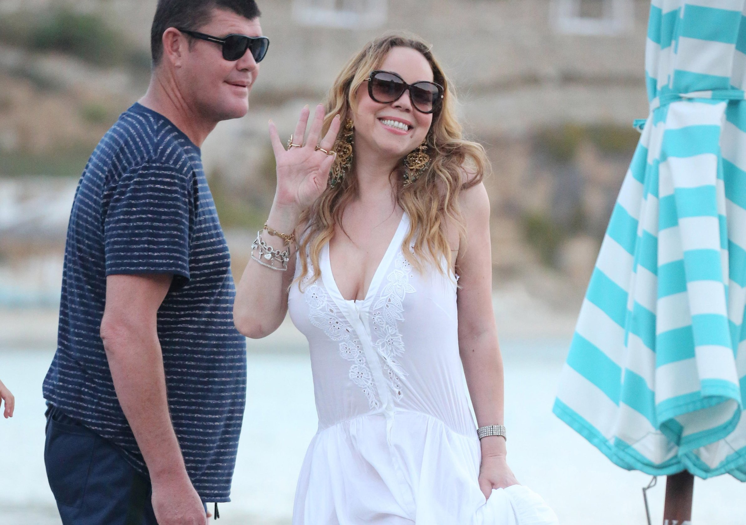 WORLDWIDE GREECE OUT -  EXCLUSIVE!! POOL SET MAVRIXONLINE/LOOKPRESS - American singer Mariah Carey, her children and boyfriend James Packer arrive on a yacht in Mykonos for the second time. The couple was also spotted dining in a restaurant along with friends. Mariah was all smiles while she was out, looking gorgeous in a flowing white dress. Mykonos, Greece. 22nd September 2016., Image: 300751658, License: Rights-managed, Restrictions: MAVRIXONLINE.COM - +1 305 542 9275. Byline, credit, TV usage, web usage or linkback must read MAVRIXONLINE/LOOKPRESS. Failure to byline correctly will incur double the agreed fee. Fees must be agreed prior to publication., Model Release: no, Credit line: Profimedia, Mavrixphoto