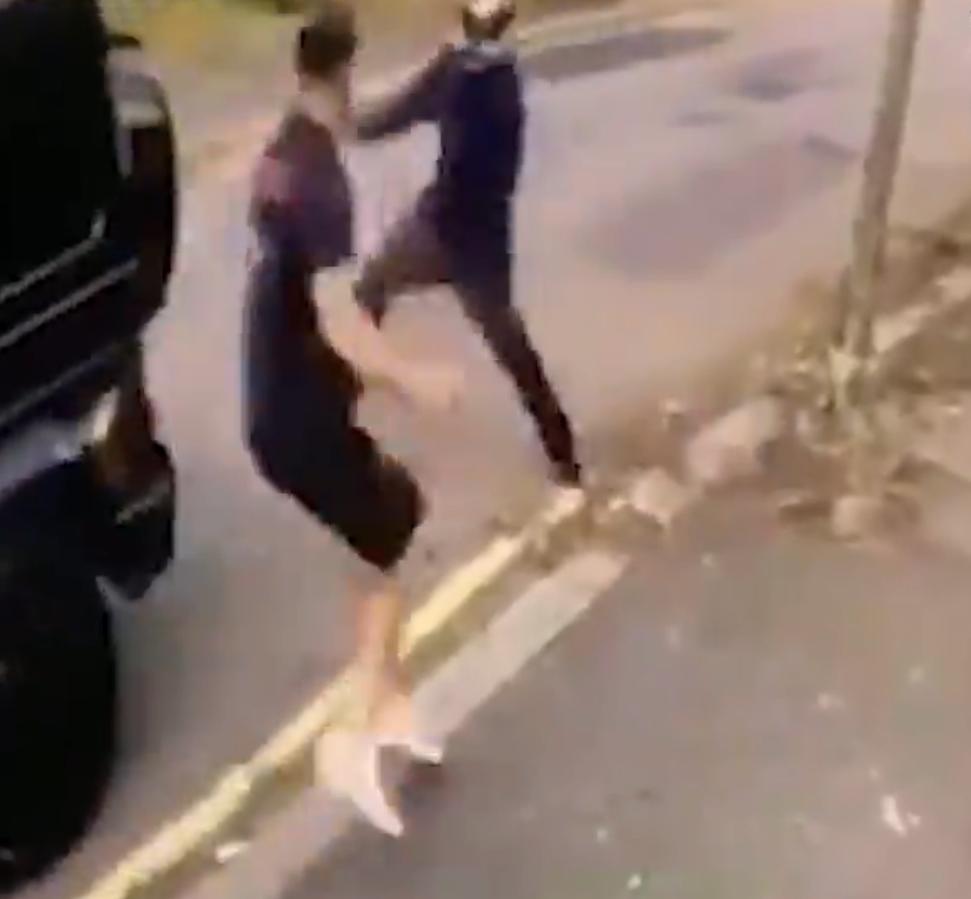 Sead Kolašinac tijekom obračuna s napadačima