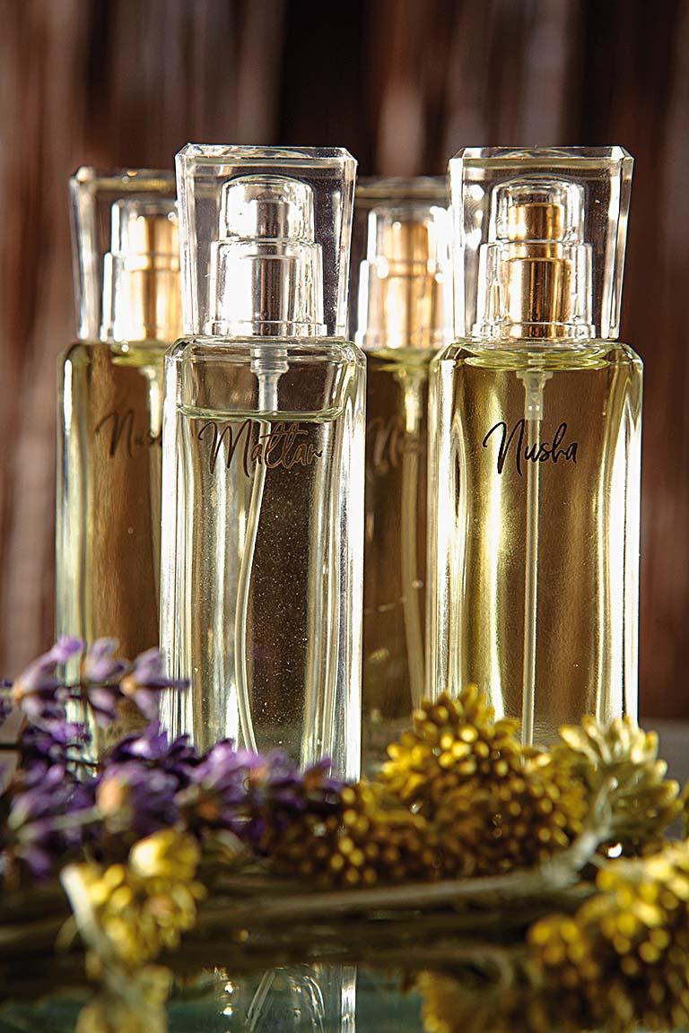 Split,270619 Gloria                     Prvi imotski parfemi - Nusha i Mattan, autorica parfema Visnja Zuzul, rodjene Bago, profesorice biologije i kemije                                                   Snimio-Sasa Buric