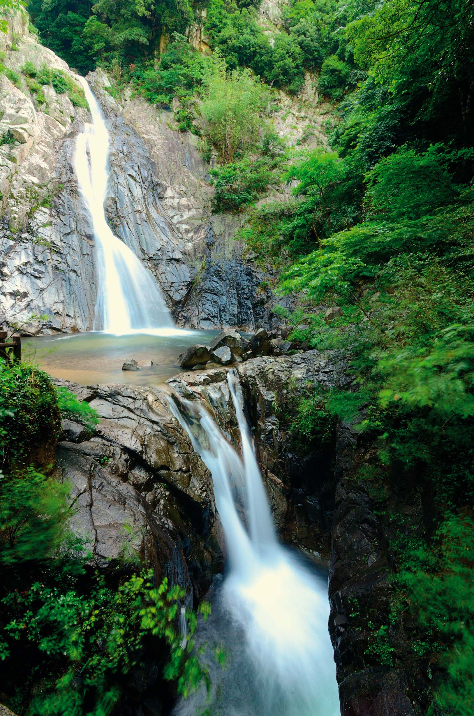 Nunobiki falls are just north of the urban center of Kobe, Japan., Image: 98504211, License: Royalty-free, Restrictions: , Model Release: no, Credit line: Profimedia, Alamy