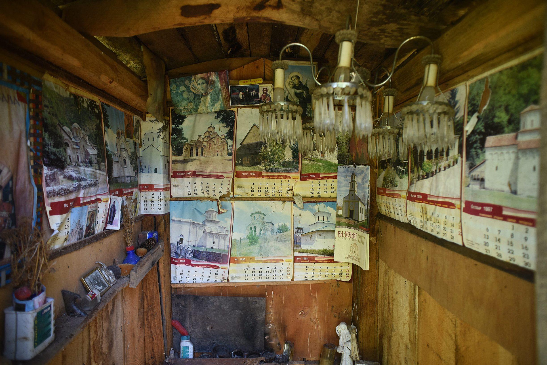 Tounj, 280619. Djuro Susnjar ima 92 godine i svakodnevnicu provodi u samoci na svojem zabacenom imanju u selu Kljuc na Kordunu, promisljajuci o zivotu druzeci se sa svojim zivotinjama. Na fotografiji: Crkvica koju je napravio Djuro Susnjar. Foto: Robert Fajt / CROPIX