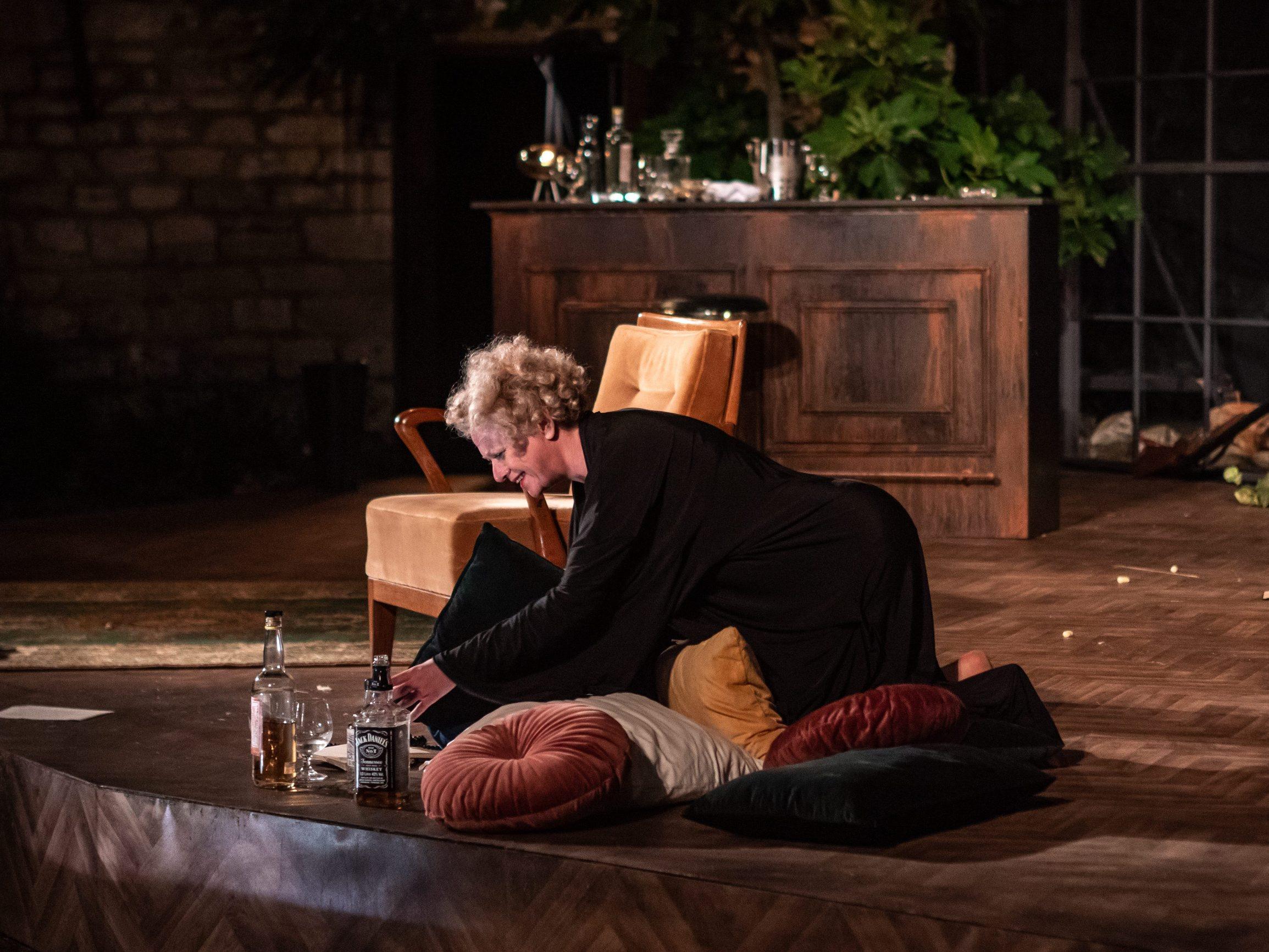 Brijuni,  290719.  Na Malom Brijunu u Tvrðavi Minor odrzana je premijera predstave Tko se boji Virginije Woolf u izvedbi kazalista Ulysses i u reziji Lenke Udovicki.  Foto: Marijana Banko / CROPIX
