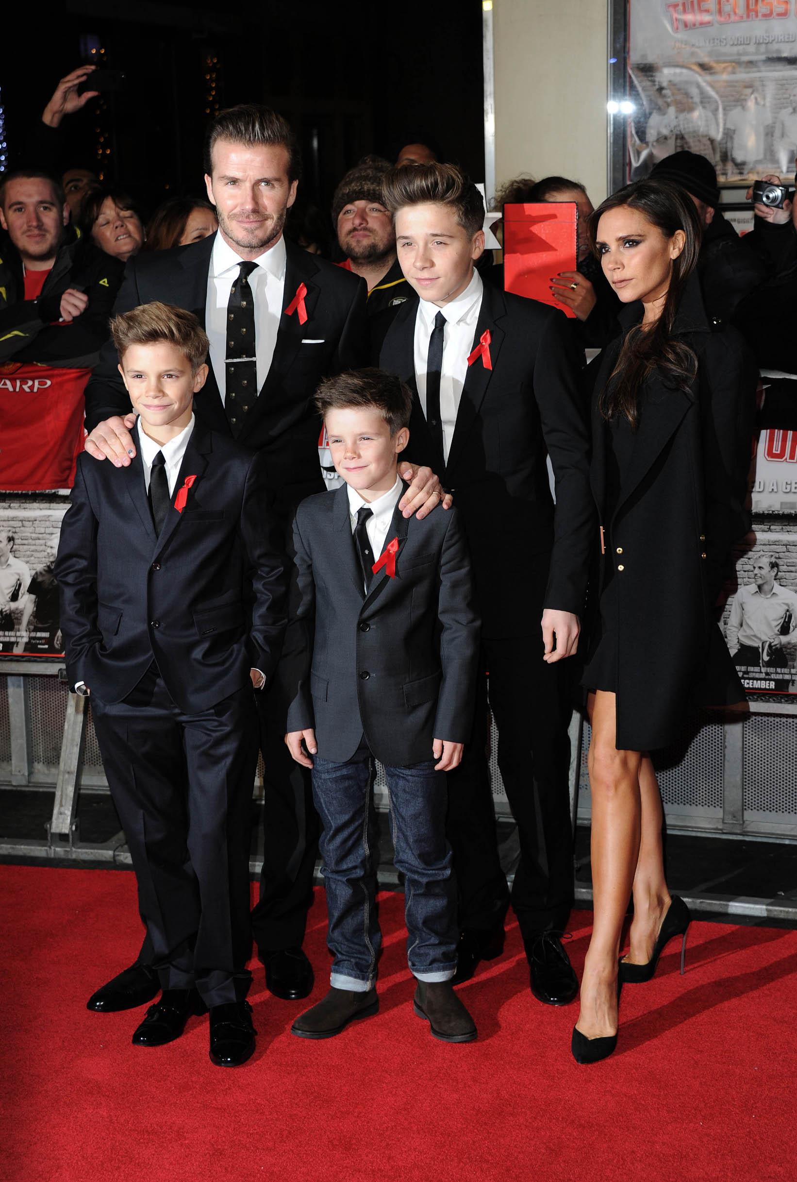 LONDON, UNITED KINGDOM - DECEMBER 01: (L-R) Romeo Beckham, David Beckham, Cruz Beckham, Brooklyn Beckham and Victoria Beckham attend the World premiere of
