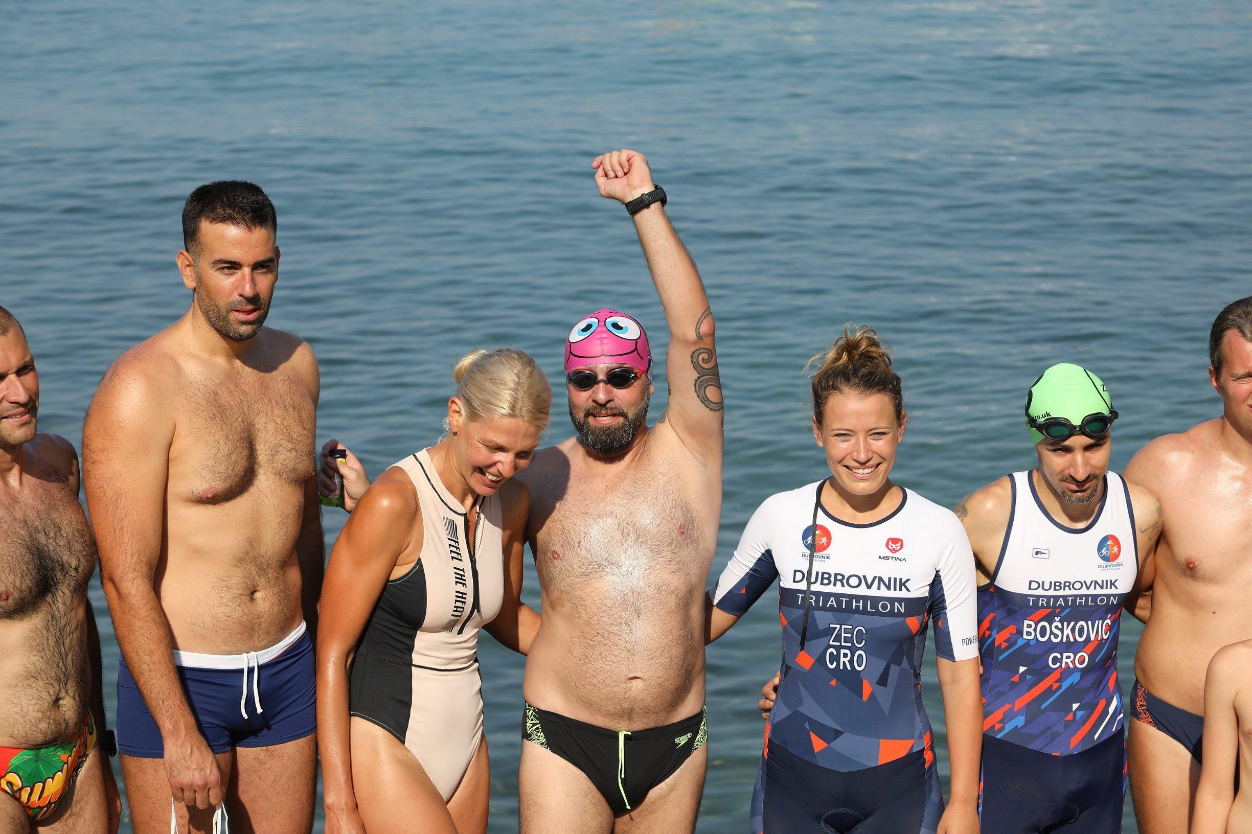 Dubrovnik, 060719. Domagoj Jakopovic Ribafish jutros je s lapadske plaze krenuo u jednomjesecni plivacki maraton RokOtok, u spomen na preminulog sina Roka. Na fotografiji: Domagoj Jakopovic Ribafish  Foto: Bozo Radic / CROPIX
