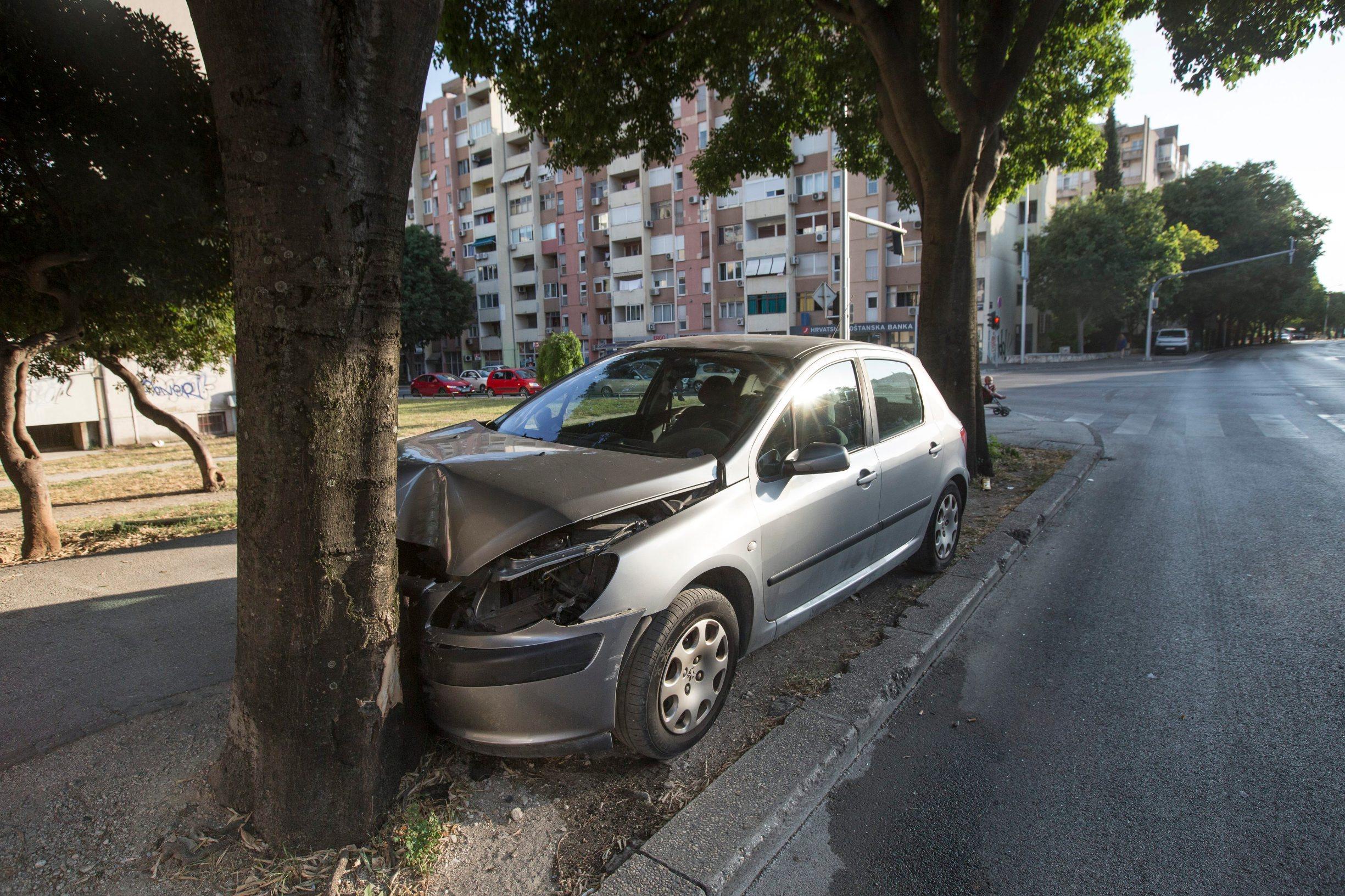 Split, 070719.  Krizanje Vukovarske i Dubravocke ulice gdje se danas poslijepodne dogodila teska prometna nesreca. Foto: Bozidar Vukicevic / CROPIX