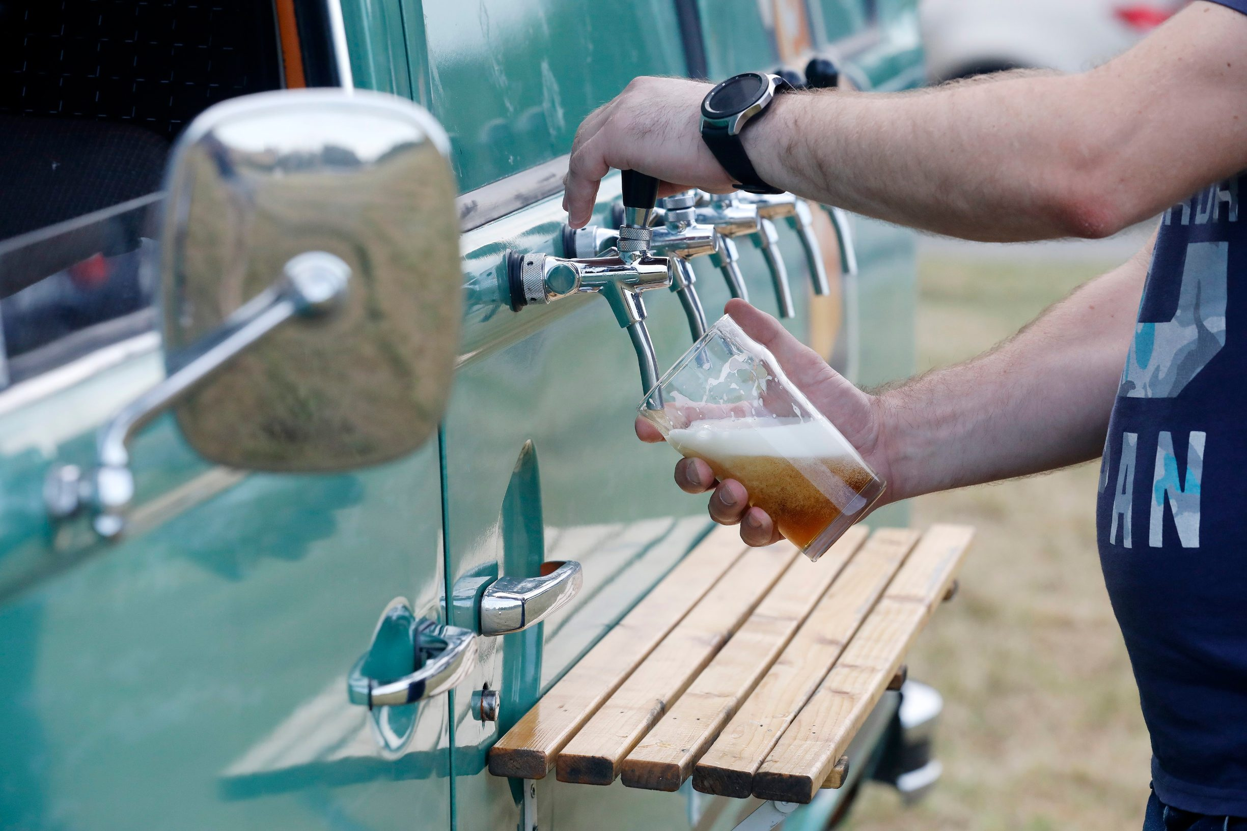 Zagreb, 020719. Spomen park Dotrscina. Beer Bus, pokretna tocionica piva. Na fotografiji: Beer Bus. Foto: Tomislav Kristo / CROPIX