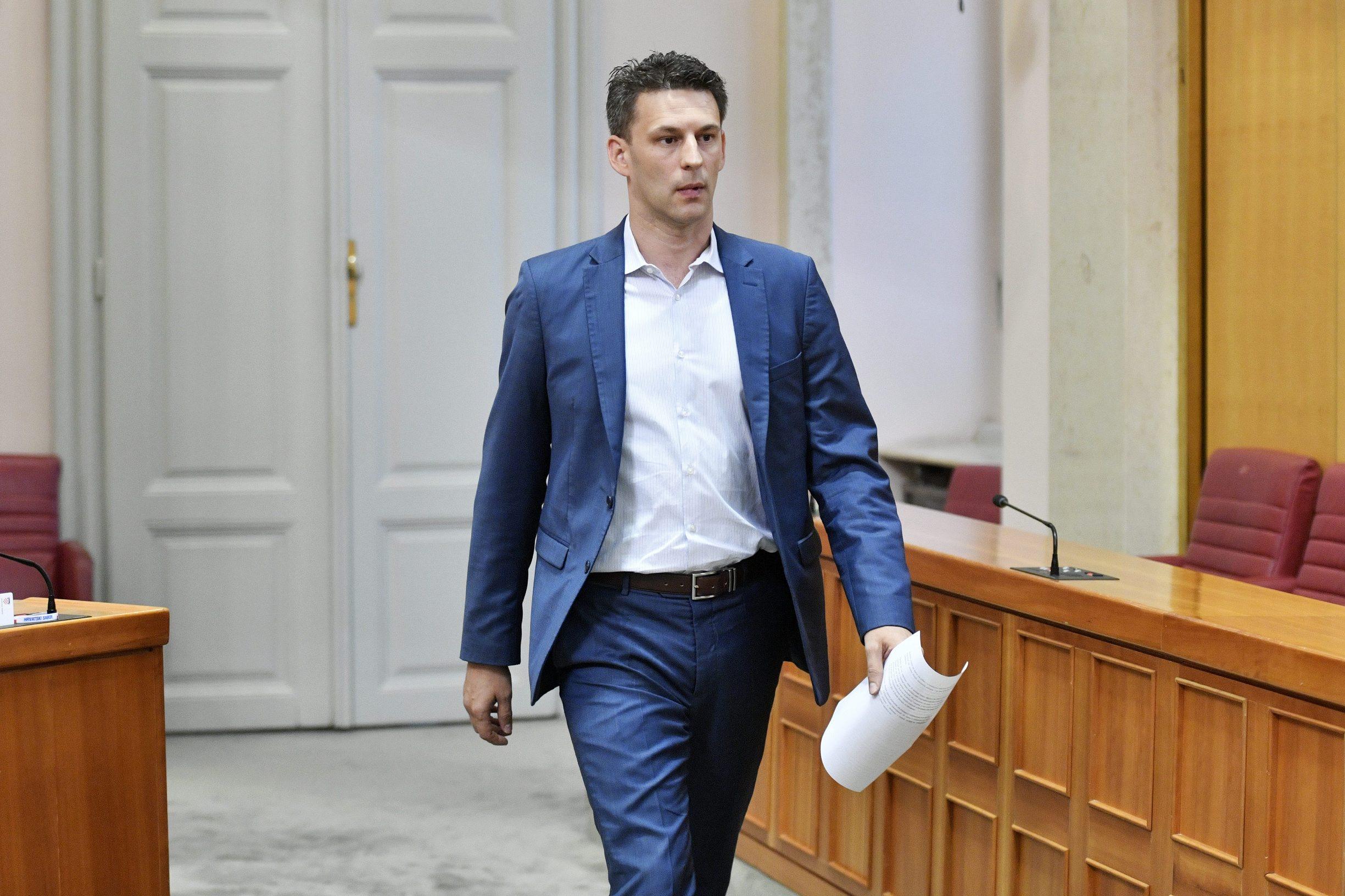 Zagreb, 090719. Nastavak 12. sjednice Hrvatskog sabora. Na fotografiji: Bozo Petrov. Foto: Boris Kovacev /