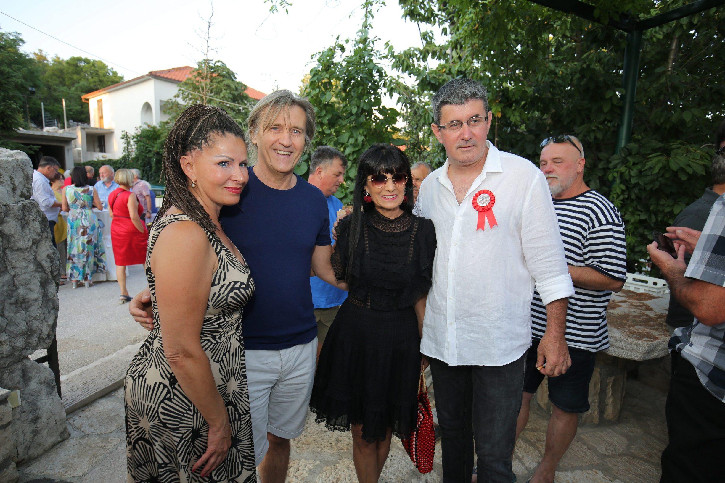 Matija Vuica i Jurica Popović, Vedran Mlikota