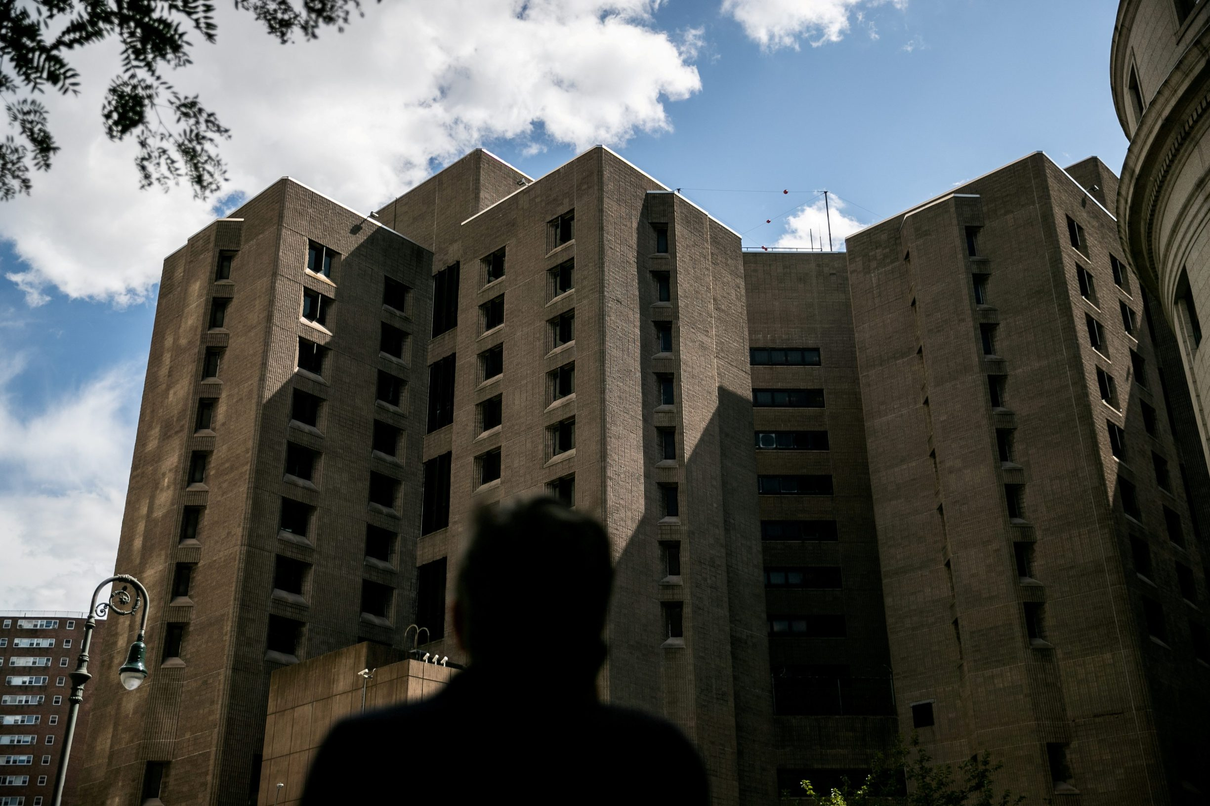 FILE PHOTO: An exterior view of the Metropolitan Correctional Center jail where financier Jeffrey Epstein, who was found dead in the Manhattan borough of New York City, New York, U.S., August 10, 2019. REUTERS/Jeenah Moon/File Photo