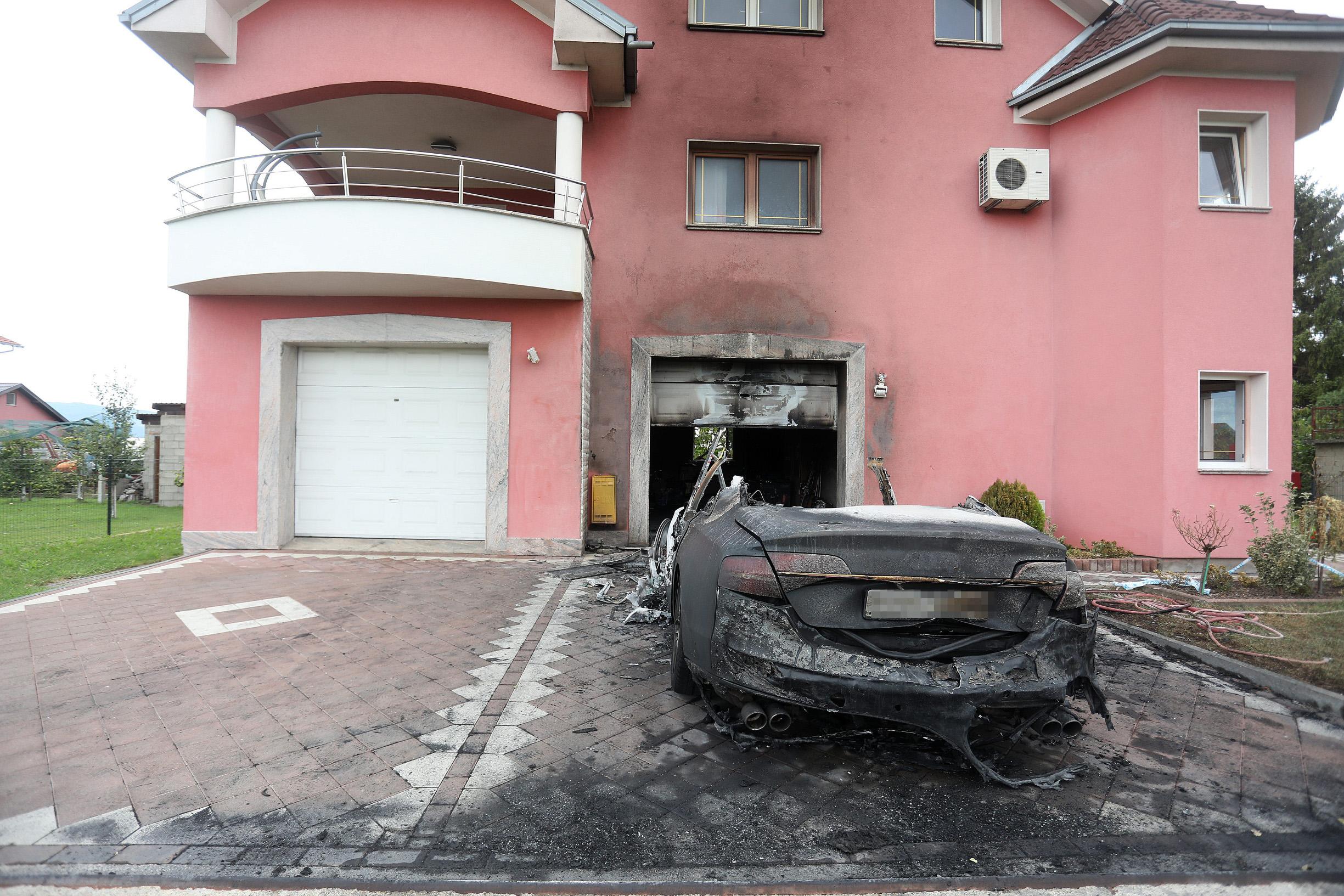 Izgorio luksuzni Audi u Botincu