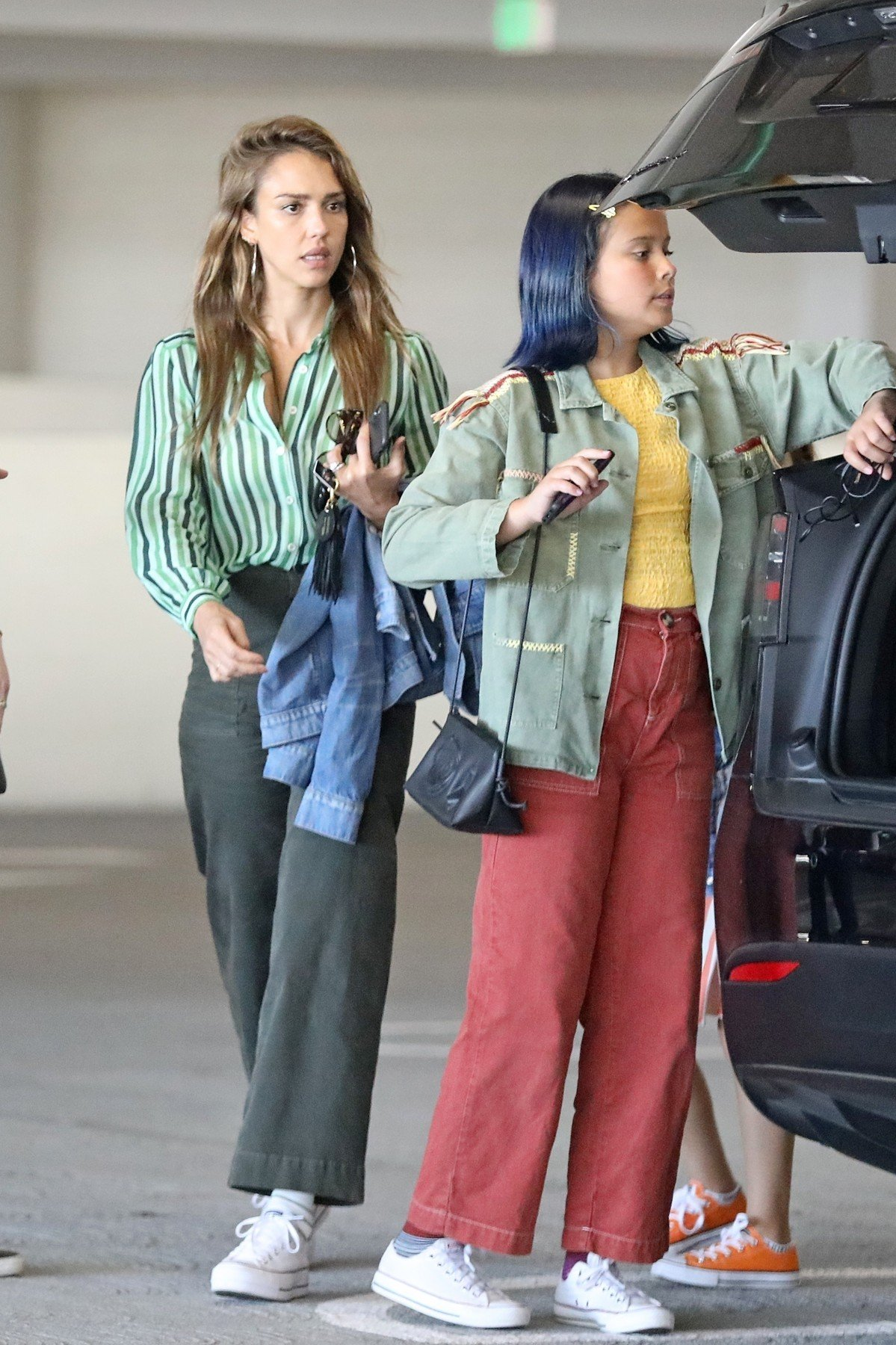 Century City, CA  - *EXCLUSIVE*  - Jessica Alba takes her kids to the Century City shopping center. The actress and entrepreneur pushed her youngest, son Hayes, in his stroller while daughters Honor Marie and Haven Garner walked along beside her. Alba could be seen giving Honor a kiss on her forehead as the group set out on their shopping day. *Shot on 08/13/19*  *UK Clients - Pictures Containing Children Please Pixelate Face Prior To Publication*, Image: 465283677, License: Rights-managed, Restrictions: , Model Release: no, Credit line: Profimedia, Backgrid USA