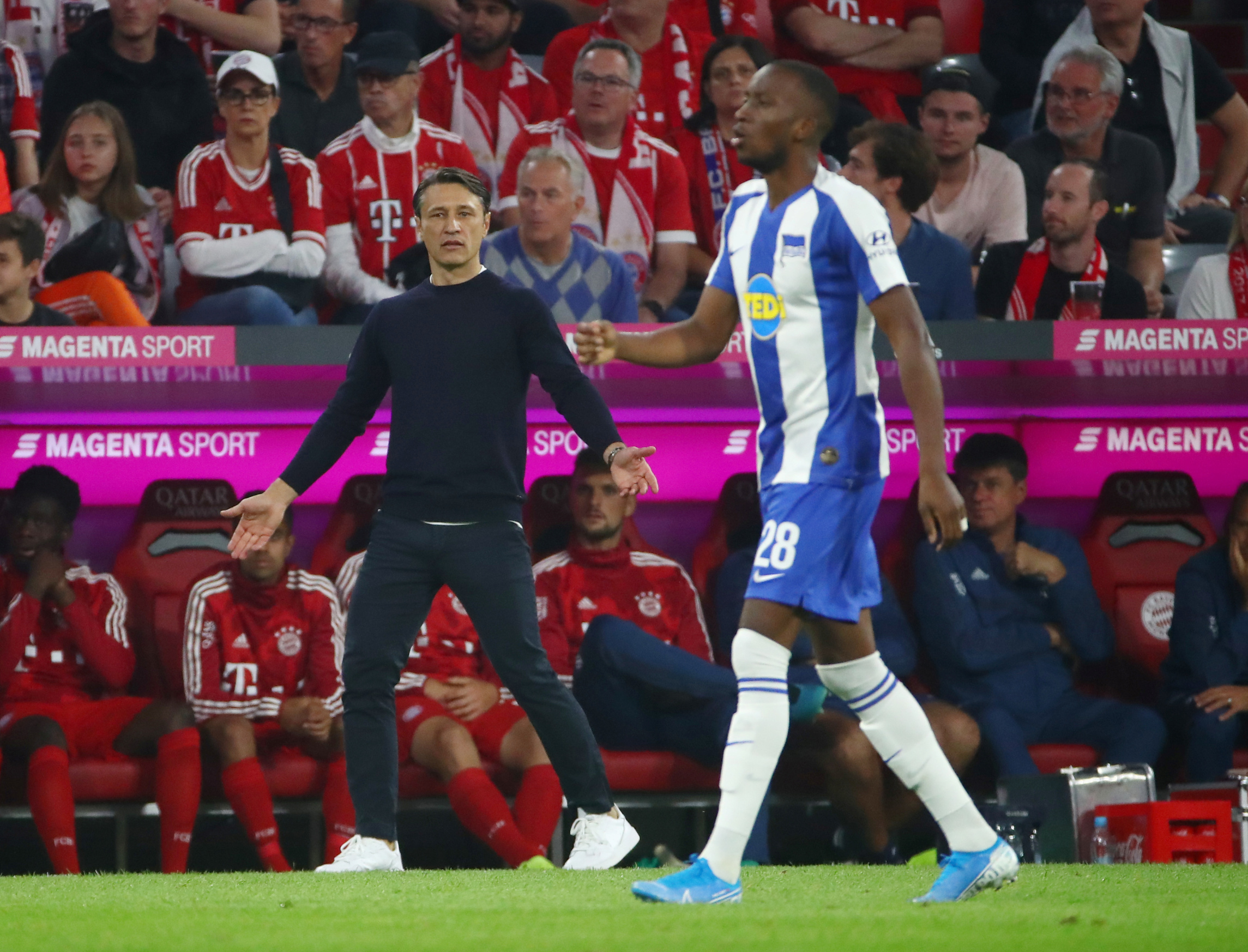 Soccer Football - Bundesliga - Bayern Munich v Hertha BSC - Allianz Arena, Munich, Germany - August 16, 2019   Bayern Munich coach Niko Kovac reacts                REUTERS/Michael Dalder    DFL regulations prohibit any use of photographs as image sequences and/or quasi-video - RC129EEC75B0