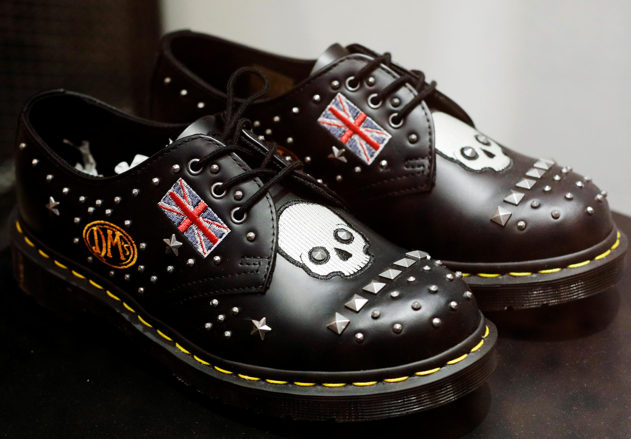 Ilustracija: cipele brenda Dr. Martens