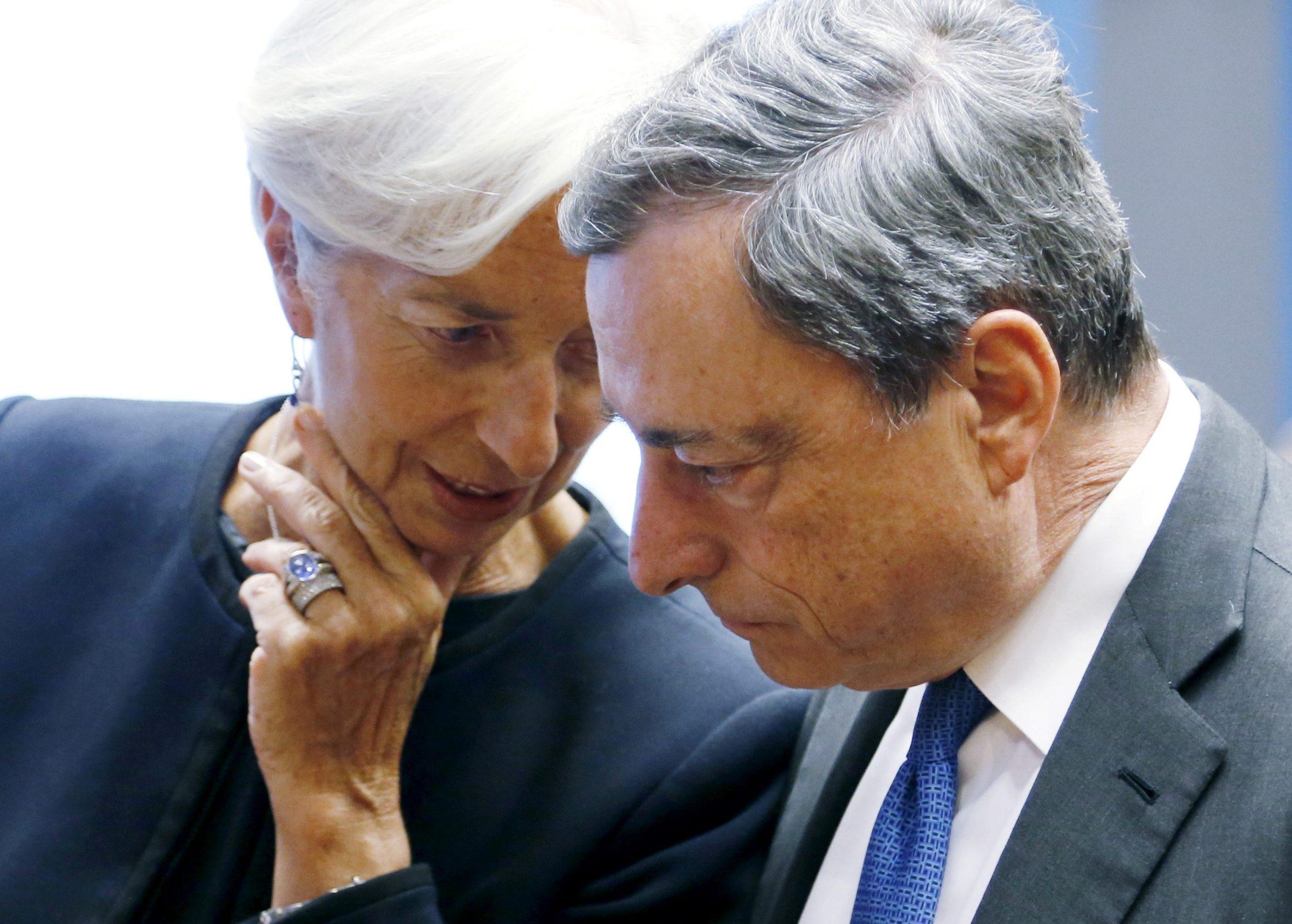 Christine Lagarde (lijevo) i njezin prethodnik, predsjednik Europske središnje banke na odlasku Mario Draghi