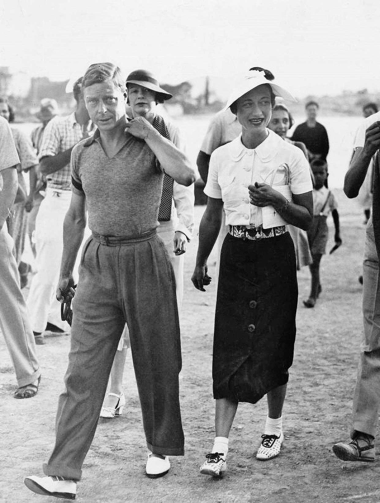 Kralj Edvard VIII. upravo se na krstarenju Jadranom odlučio oženiti svojom ljubavnicom, američkom pučankom Wallis Simpson