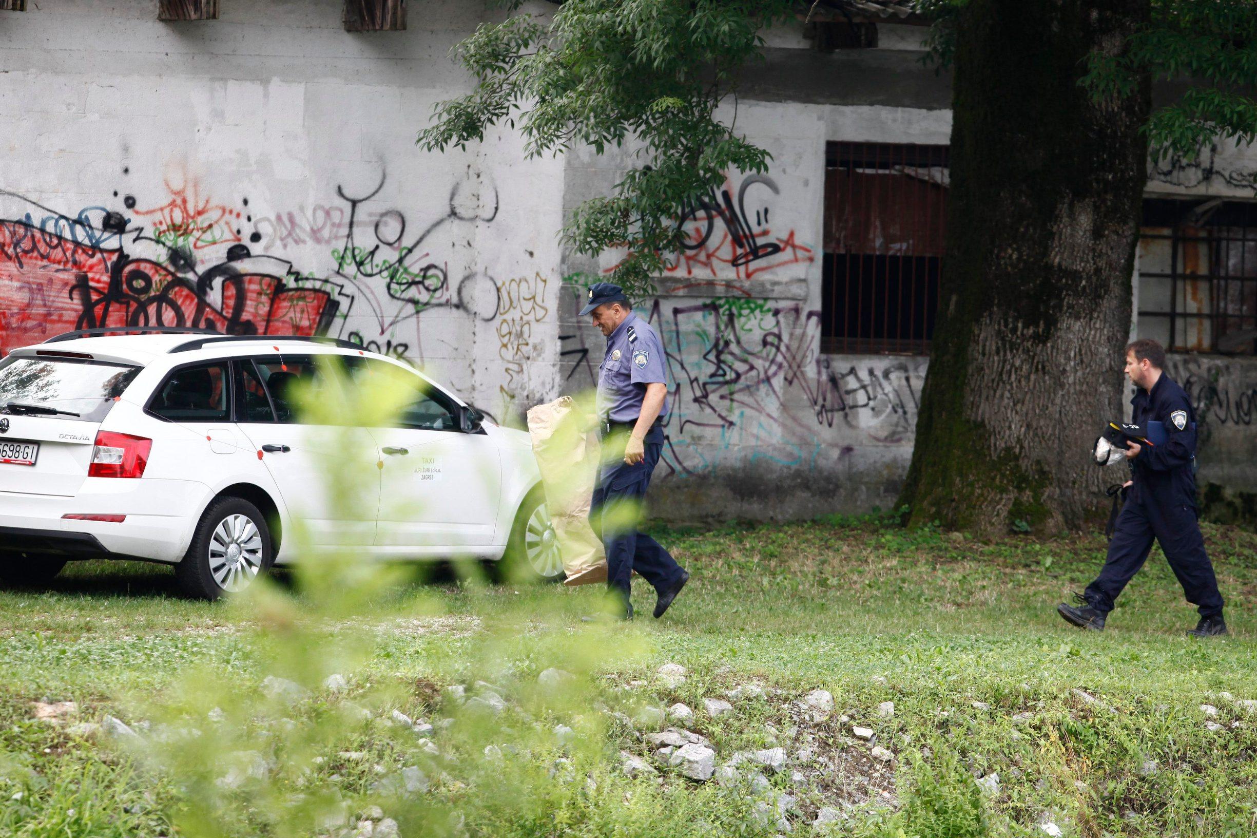 Zagreb, 020819. Policijski ocevid u Brezovici na mjestu gdje je sesterostruki ubojica pocinio ubojstvo prilikom uhicenja. Foto: Zeljko Puhovski / CROPIX