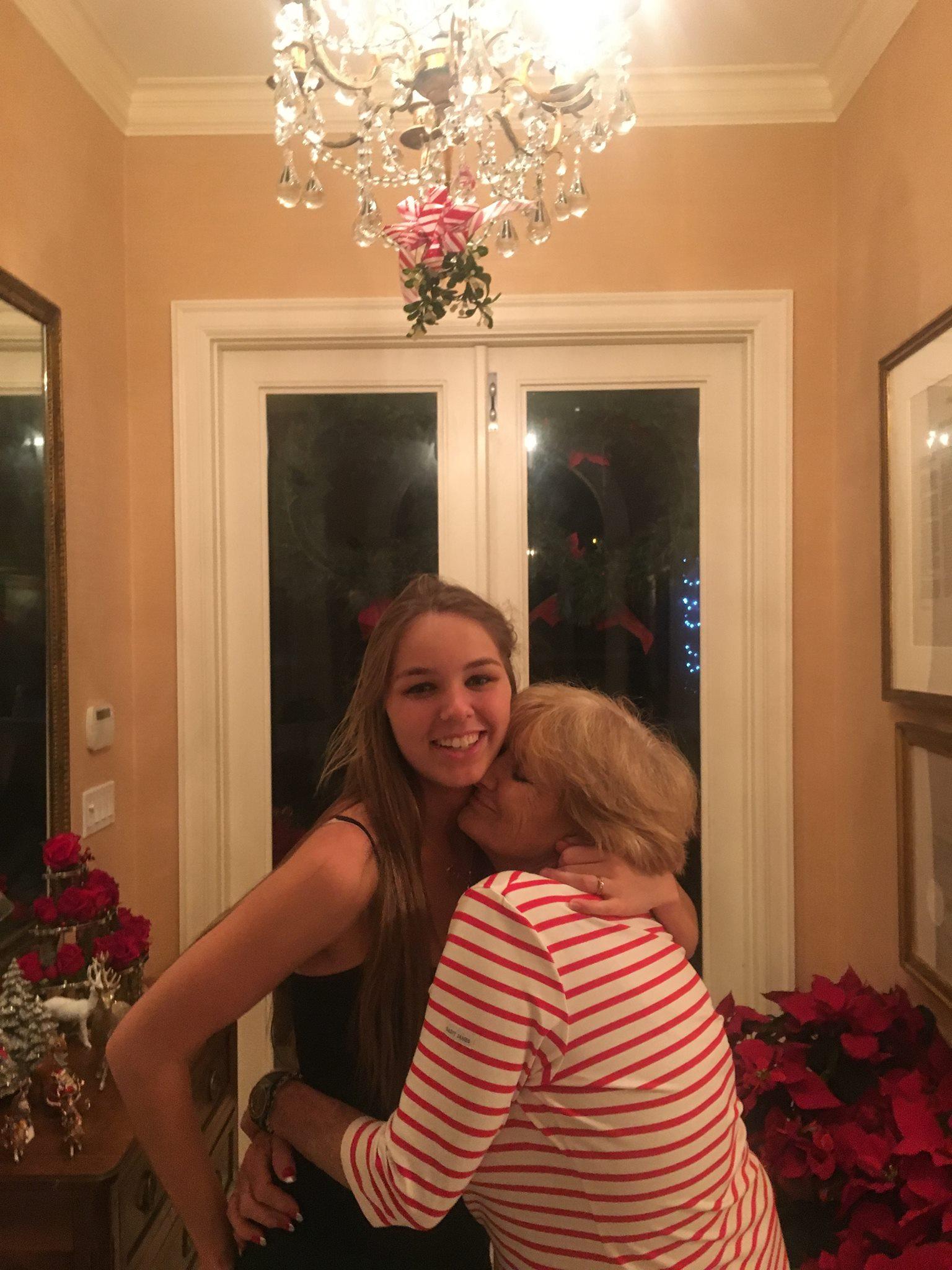 Saoirse Kennedy Hill s majkom Courtney