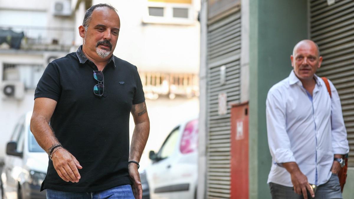 Tony Cetinski sa odvjetnikom Goranom Marjanovićem dolazi na općinski sud u Pazinu.
