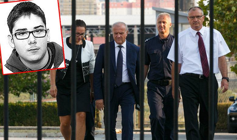 Ministar pravosuđa Dražen Bošnjaković (treći s desna) u četvrtak je posjetio zatvor u Splitu kako bi ustanovio što se dogodilo; u crvenom pravokutniku: Kristian Vukasović