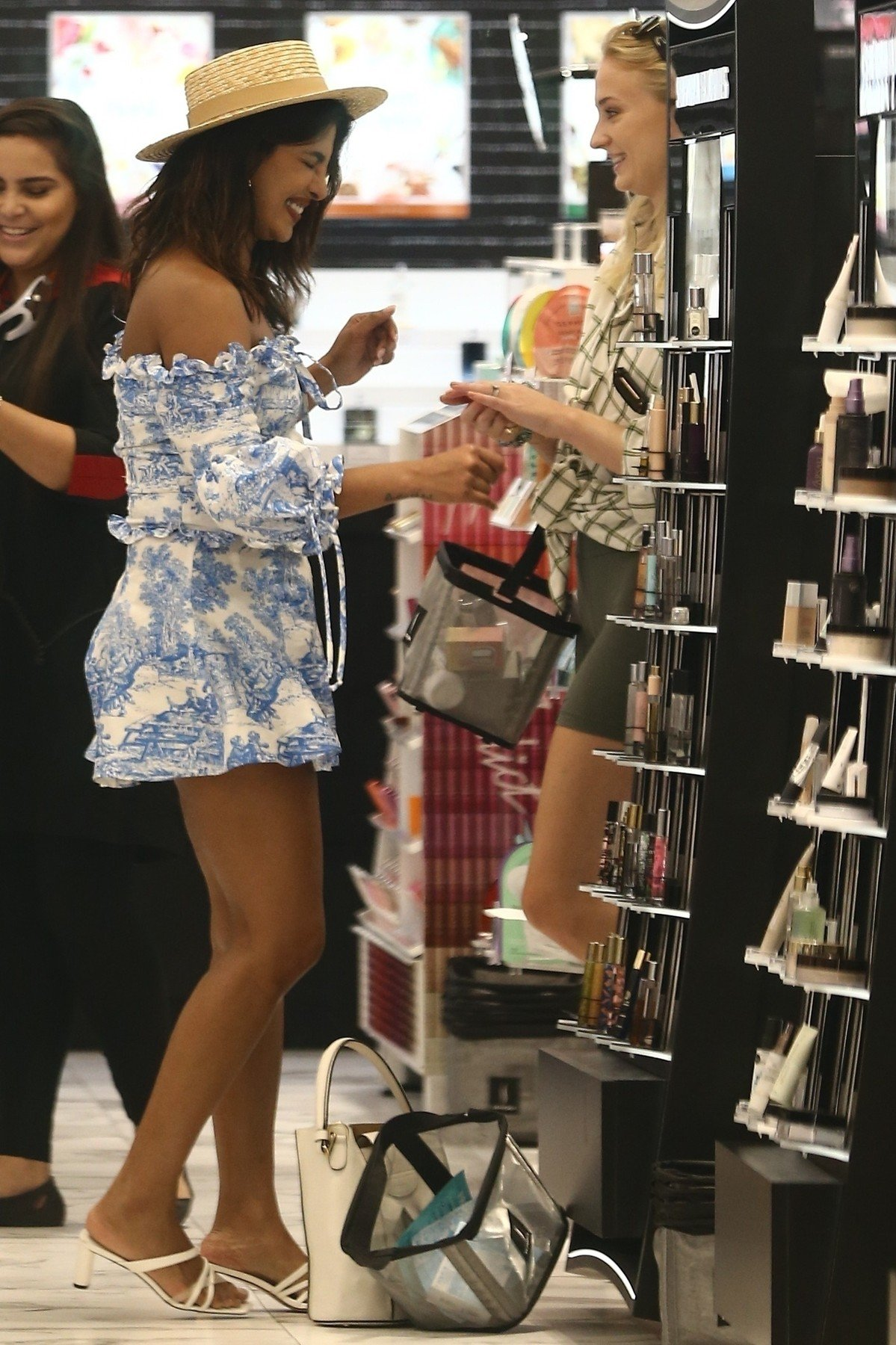 Pensacola, FL  - Sophie Turner and Priyanka Chopra go shopping together while their husbands rehearse for their upcoming Jonas Brothers show. Sophie and Priyanka look cute as they enjoy their Summer day shopping.  *UK Clients - Pictures Containing Children Please Pixelate Face Prior To Publication*, Image: 462367709, License: Rights-managed, Restrictions: , Model Release: no, Credit line: Profimedia, Backgrid USA
