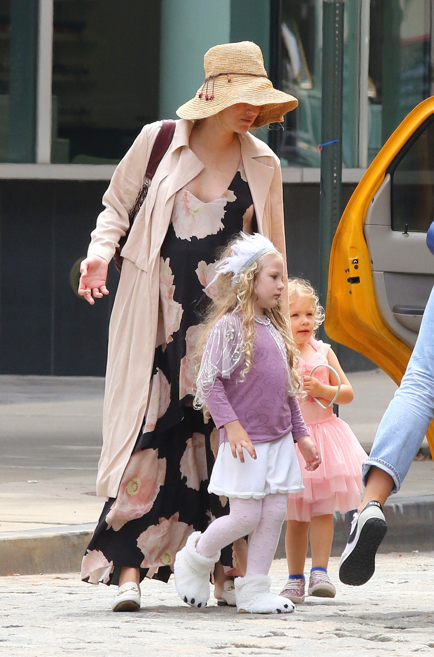 Blake Lively shows her baby bump in a floral dress while hailing a cab with her daughters, Inez and James in Downtown Manhattan.  Blake was all smiles as she was seen chatting with a friend while her daughters were dressed in costumes and played around her. 05 Aug 2019, Image: 462553615, License: Rights-managed, Restrictions: World Rights, Model Release: no, Credit line: Profimedia, Mega Agency