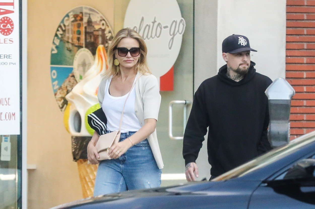 Beverly Hills, CA  - *EXCLUSIVE*  - Cameron Diaz and Benji Madden have a date night dinner at Urth Caffe in Beverly Hills. The couple kept things casual chic, with Cameron sporting a classic jeans and white tee look, and Benji in all black.  BACKGRID USA 30 JULY 2019, Image: 461546500, License: Rights-managed, Restrictions: , Model Release: no, Credit line: Profimedia, Backgrid USA