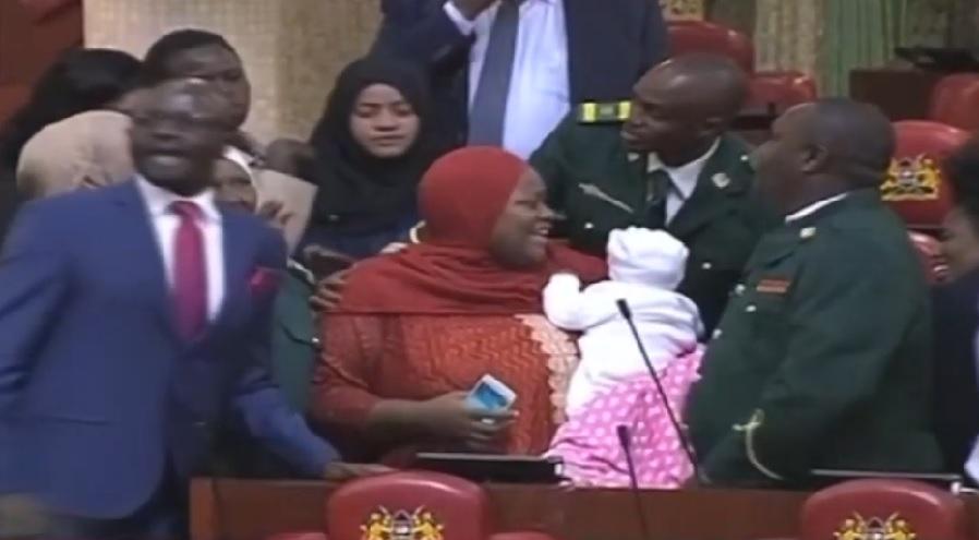 Kenija parlament beba
