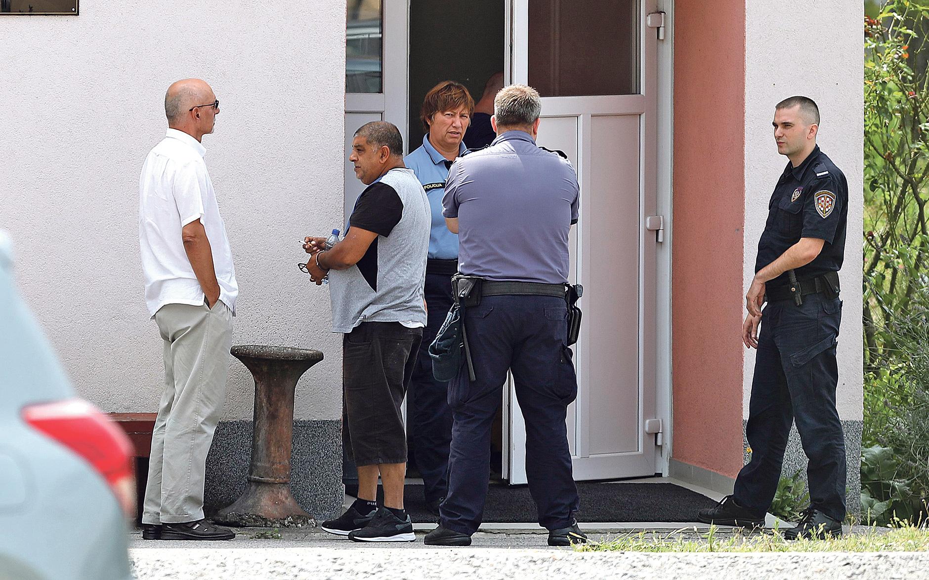 Privođenje osumnjičenog Todorovića koji je uhićen na graničnom prijelazu Macelj