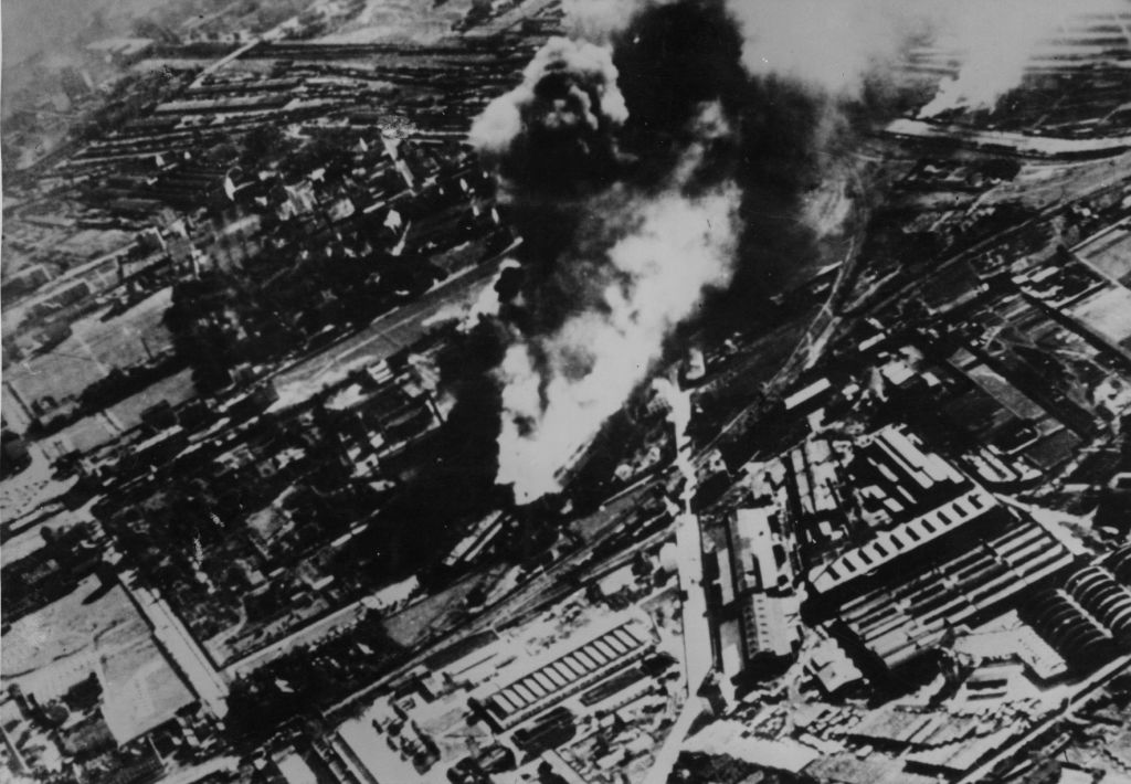circa 1940:  An aerial view of Warsaw, after a severe bombing raid.  (Photo by Fox Photos/Getty Images)