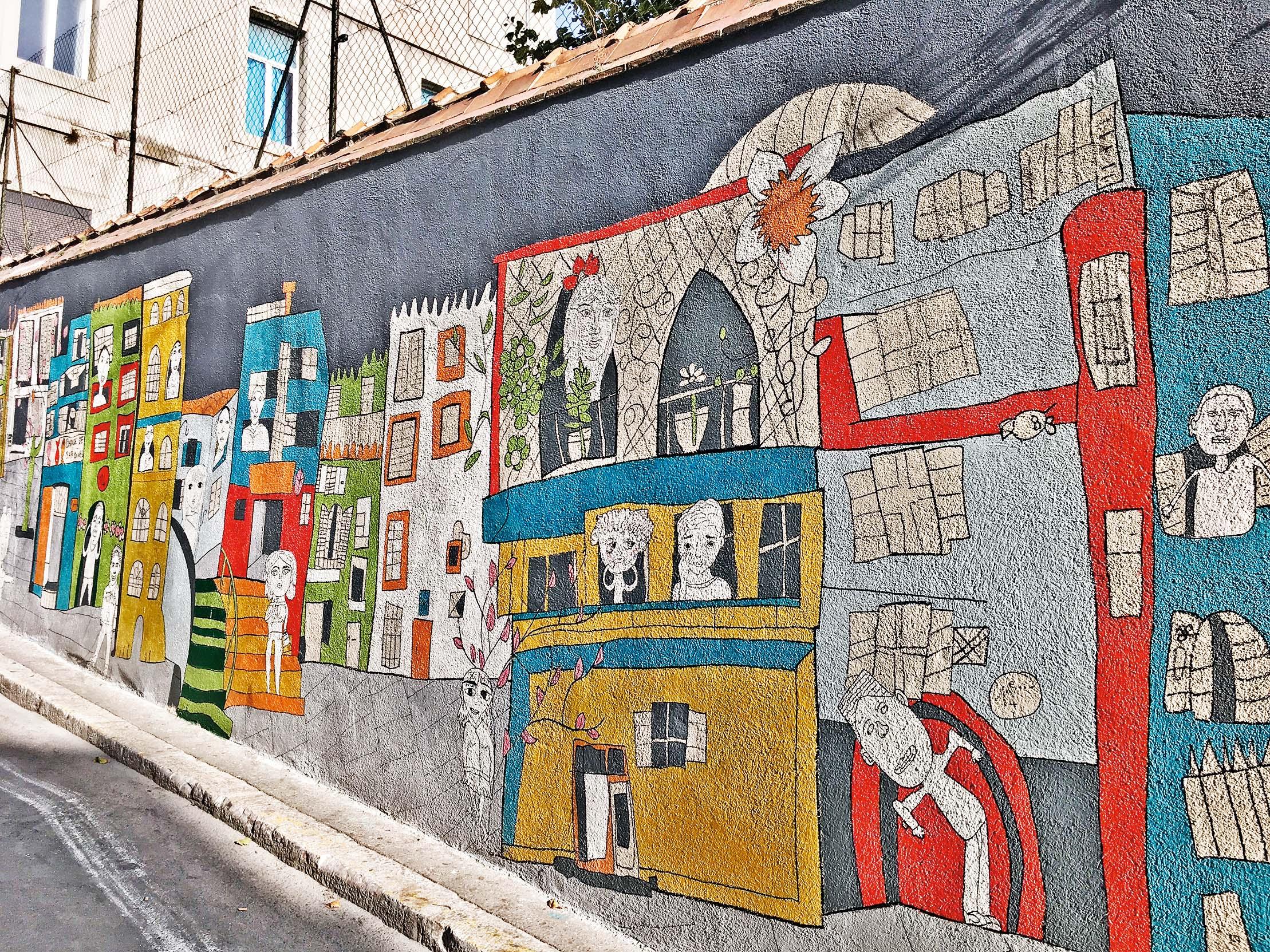 Grafiti u Le Panieru, nekad opasnom dijelu Marseillea, koji je danas pretvoren u umjetničku četvrt